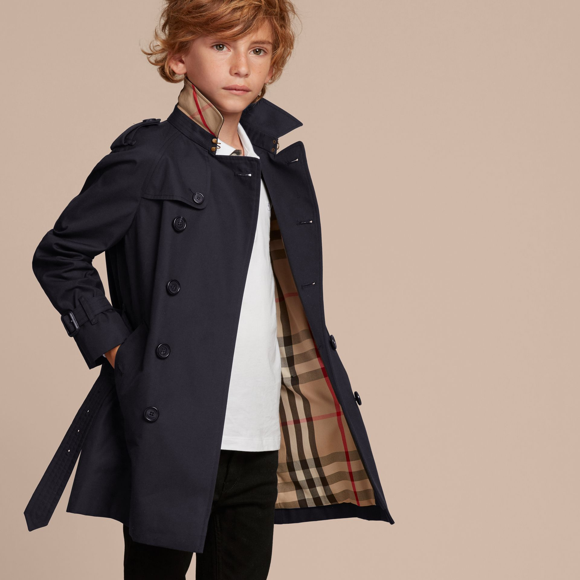 The Wiltshire – Heritage Trench Coat in Navy - Boy | Burberry - gallery image 3