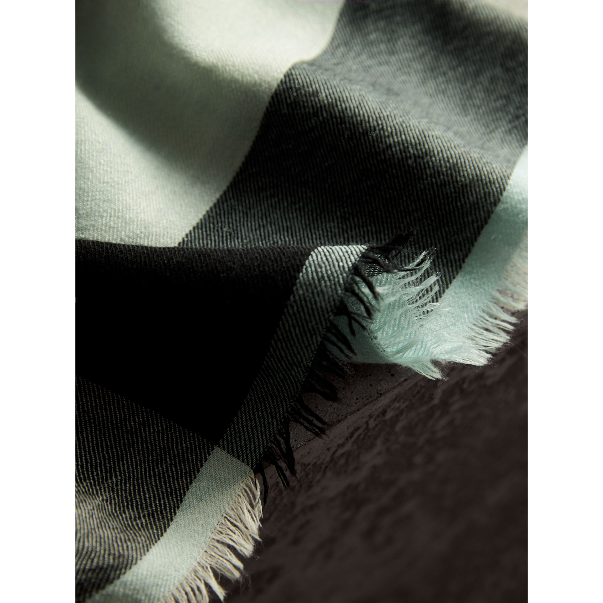 Lightweight Check Cashmere Scarf in Dusty Mint | Burberry Hong Kong - gallery image 4