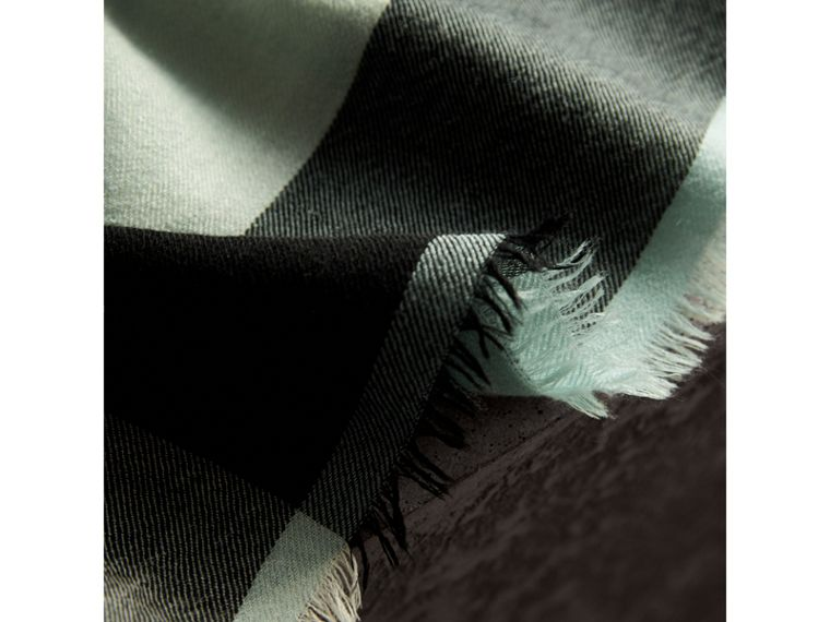 Lightweight Check Cashmere Scarf in Dusty Mint | Burberry - cell image 4
