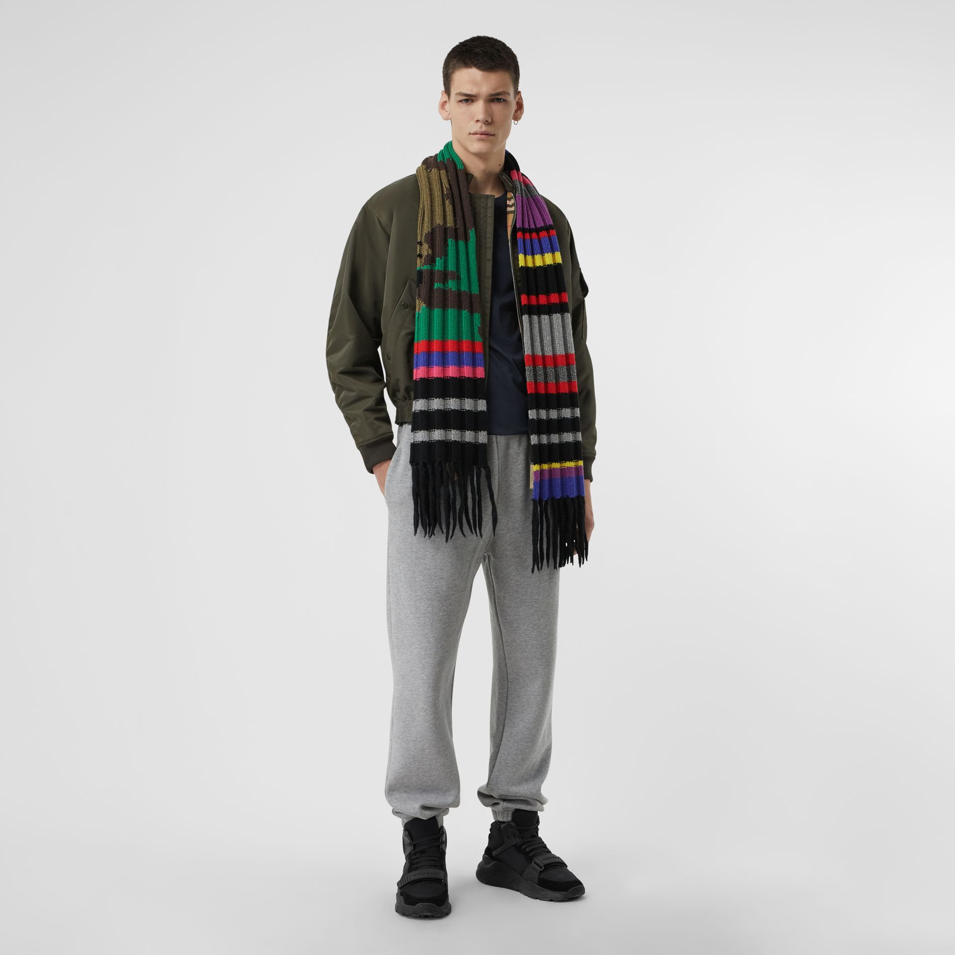 Striped Camouflage Chunky Knit Cashmere Wool Scarf in Multicolour | Burberry United Kingdom - gallery image 3