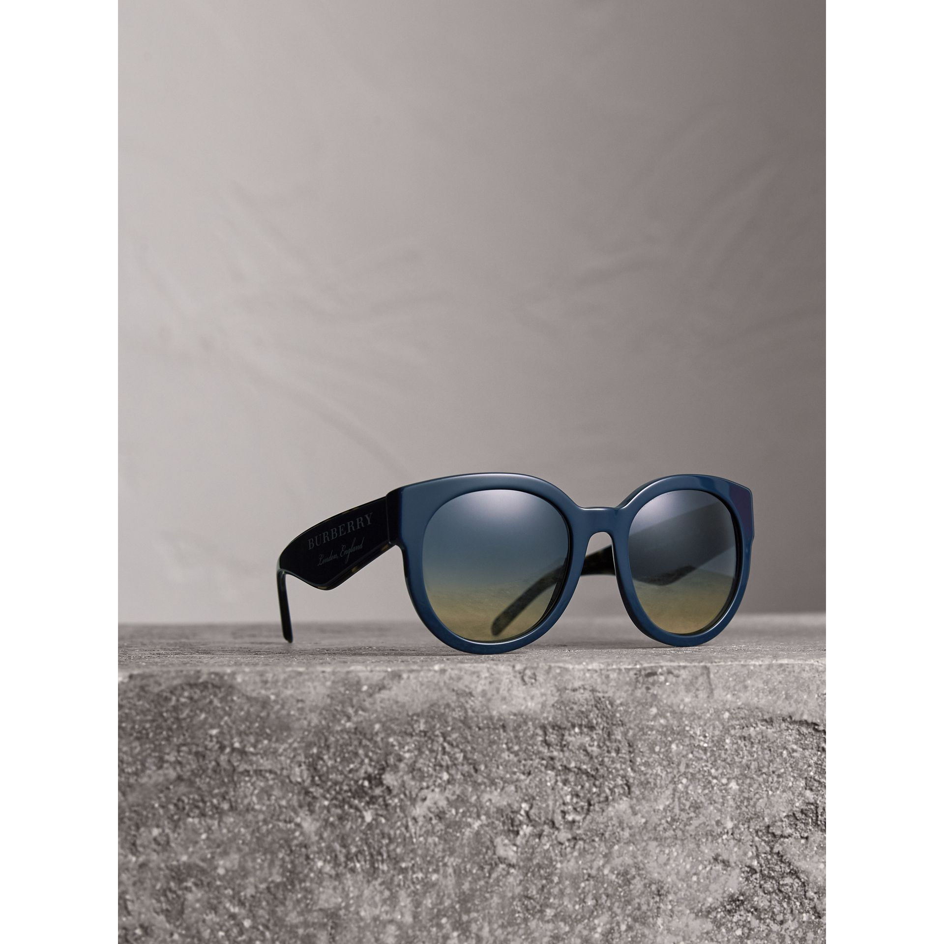 Round Frame Sunglasses in Navy - Women | Burberry United Kingdom - gallery image 1