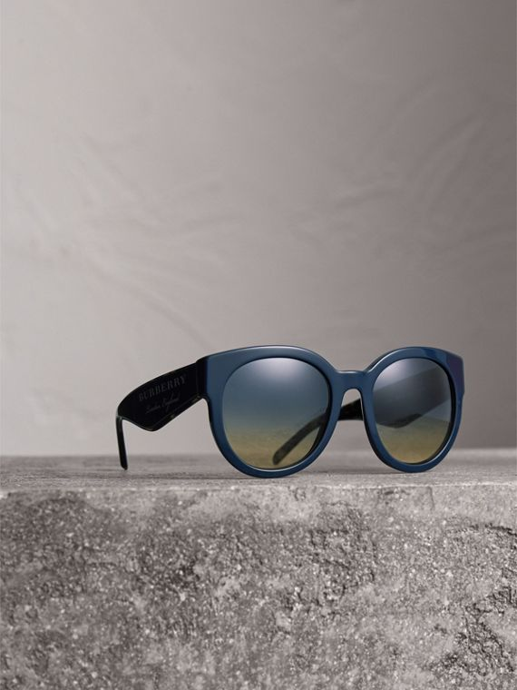 Round Frame Sunglasses in Navy