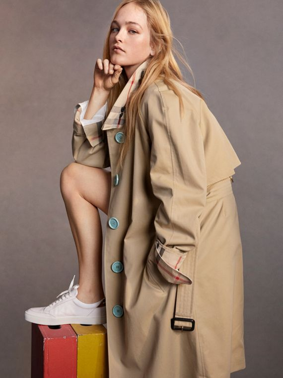 Resin Button Cotton Gabardine Trench Coat in Honey