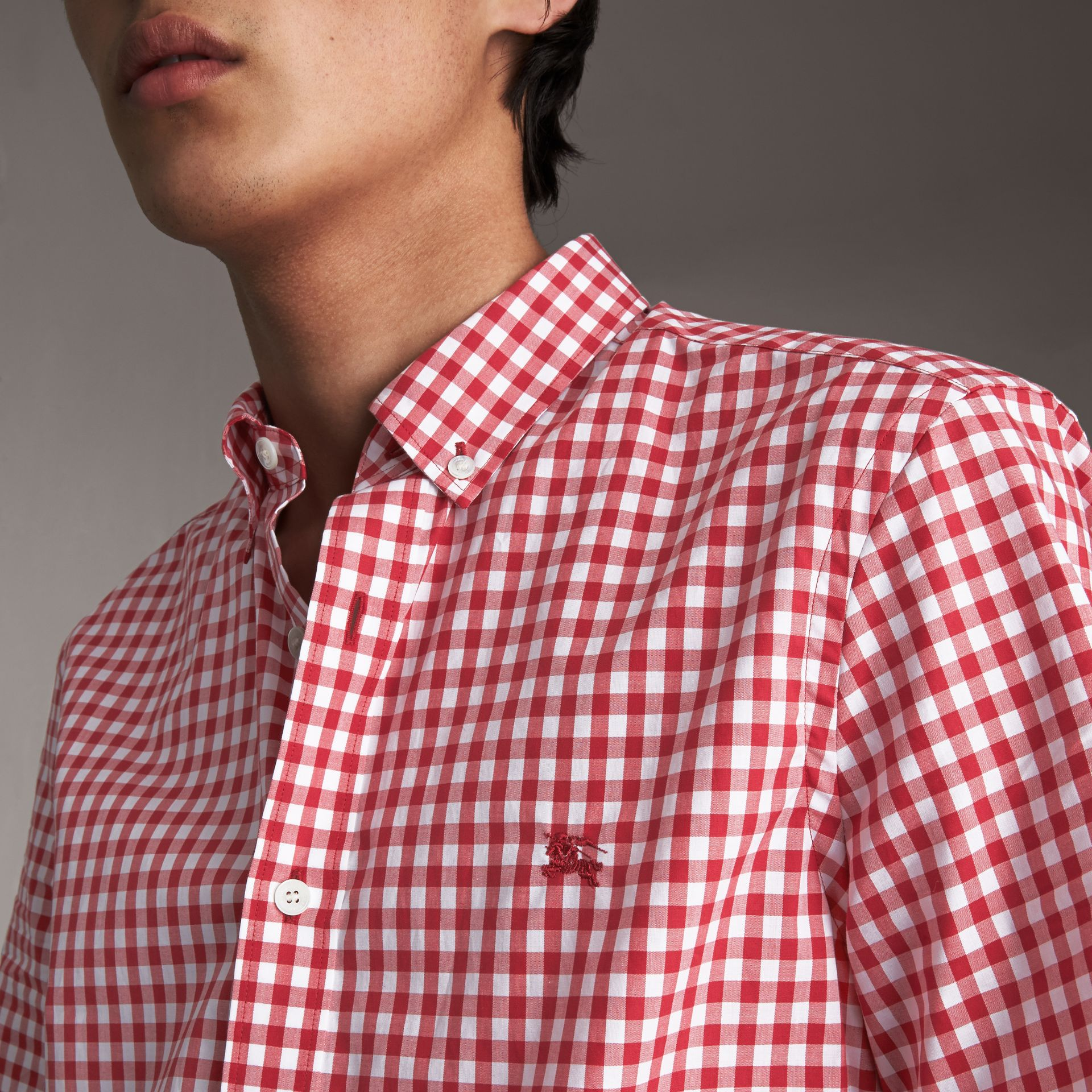 Short-sleeve Button-down Collar Cotton Gingham Shirt in Parade Red - Men | Burberry United States - gallery image 3