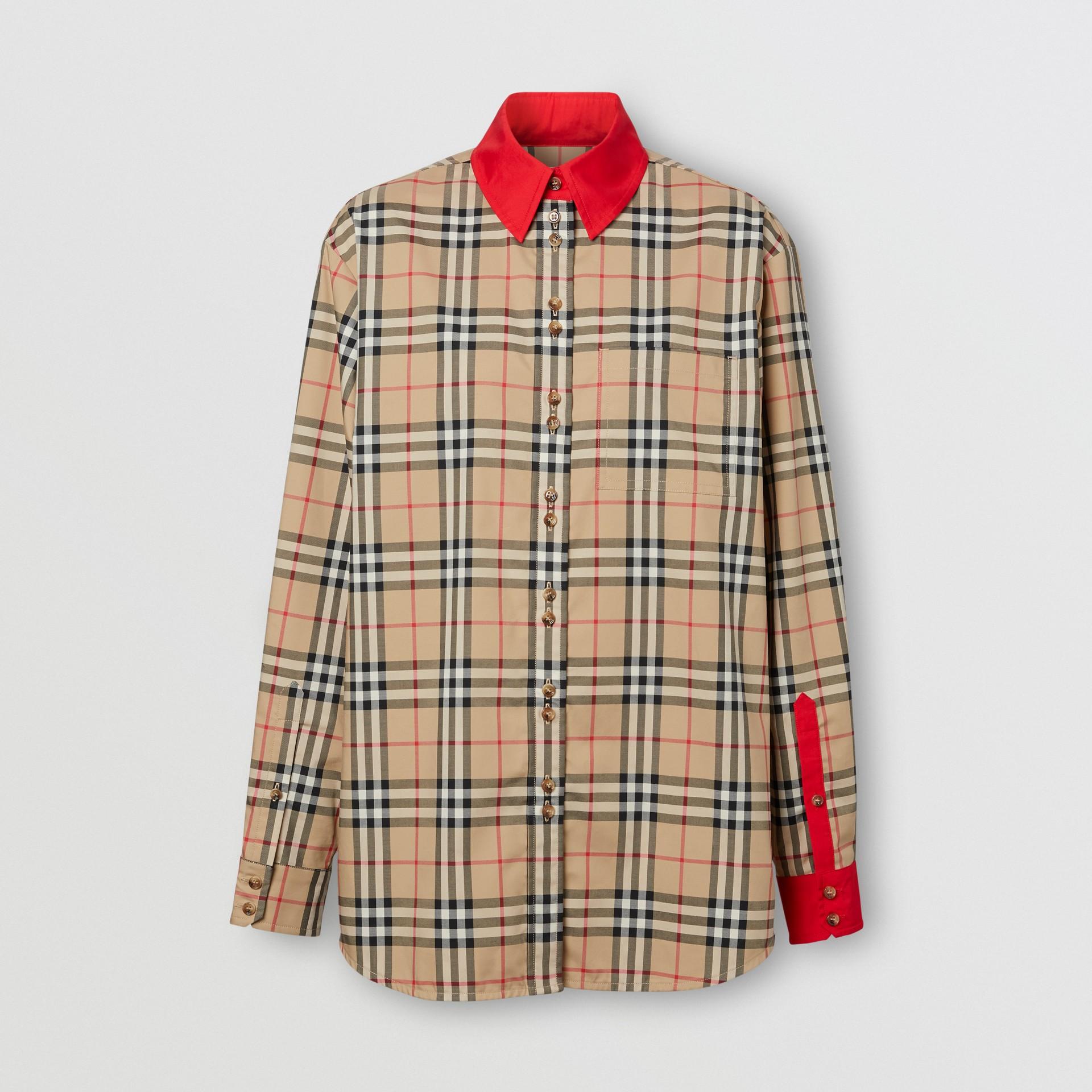Camisa en algodón elástico a cuadros Vintage Checks con detalles a contraste (Beige) - Mujer | Burberry - imagen de la galería 3