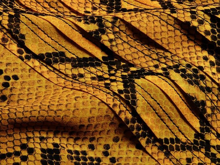 Jaune ambre Robe extra-longue en soie avec imprimé python et plis Jaune Ambre - cell image 1