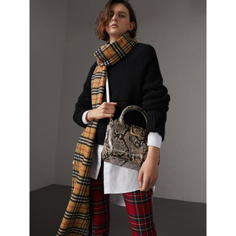 Burberry - Petit sac tote The Buckle en python - 3