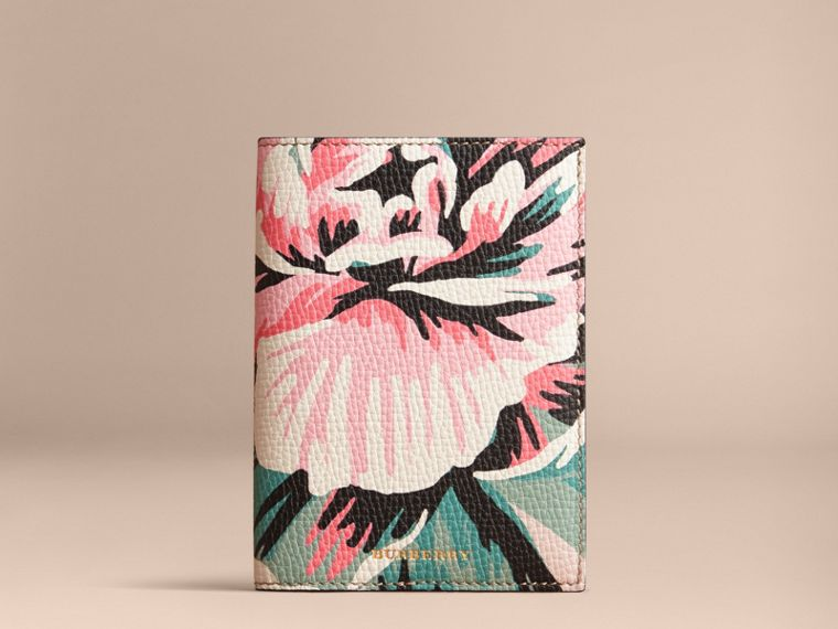 Peony Rose Print Leather Passport Cover in Natural / Emerald Green | Burberry - cell image 4