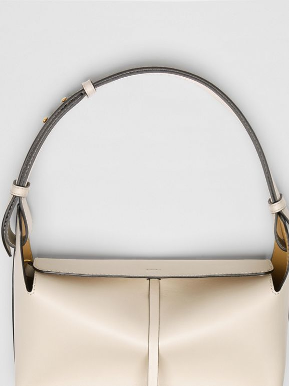 Sac The Bucket moyen en cuir (Calcaire) - Femme | Burberry Canada - cell image 1