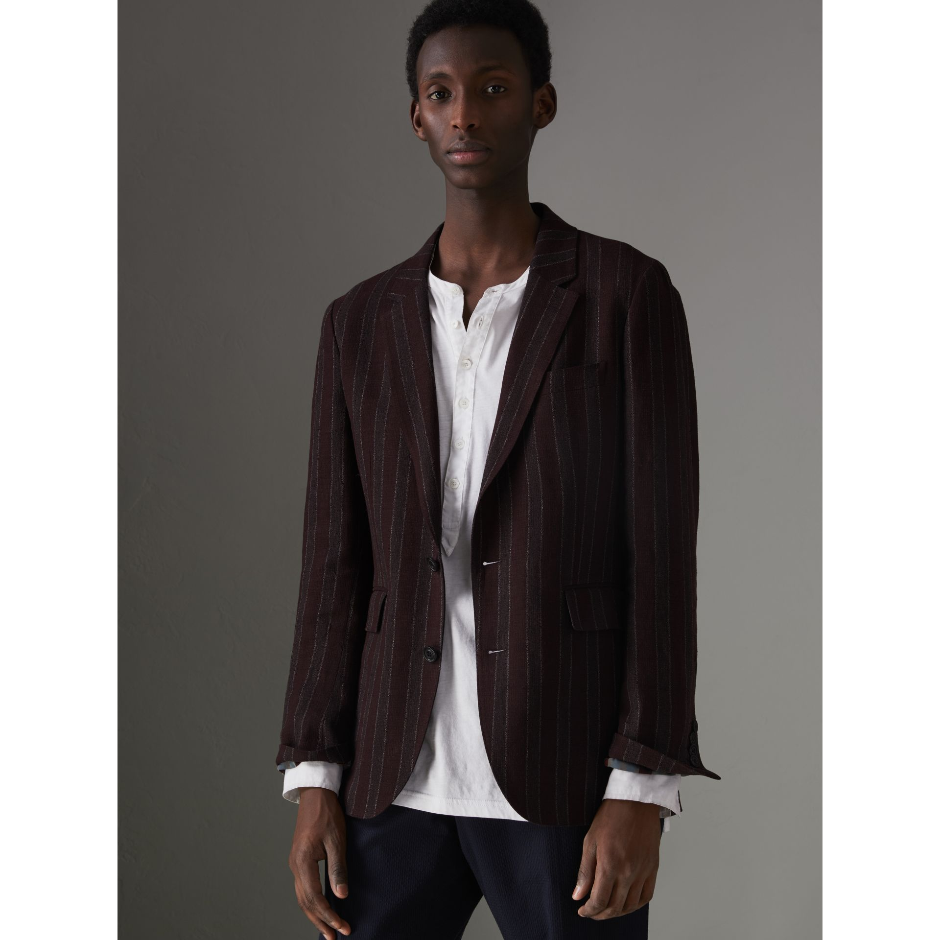 Soho Fit Striped Linen Tailored Jacket in Burgundy - Men | Burberry Canada - gallery image 4