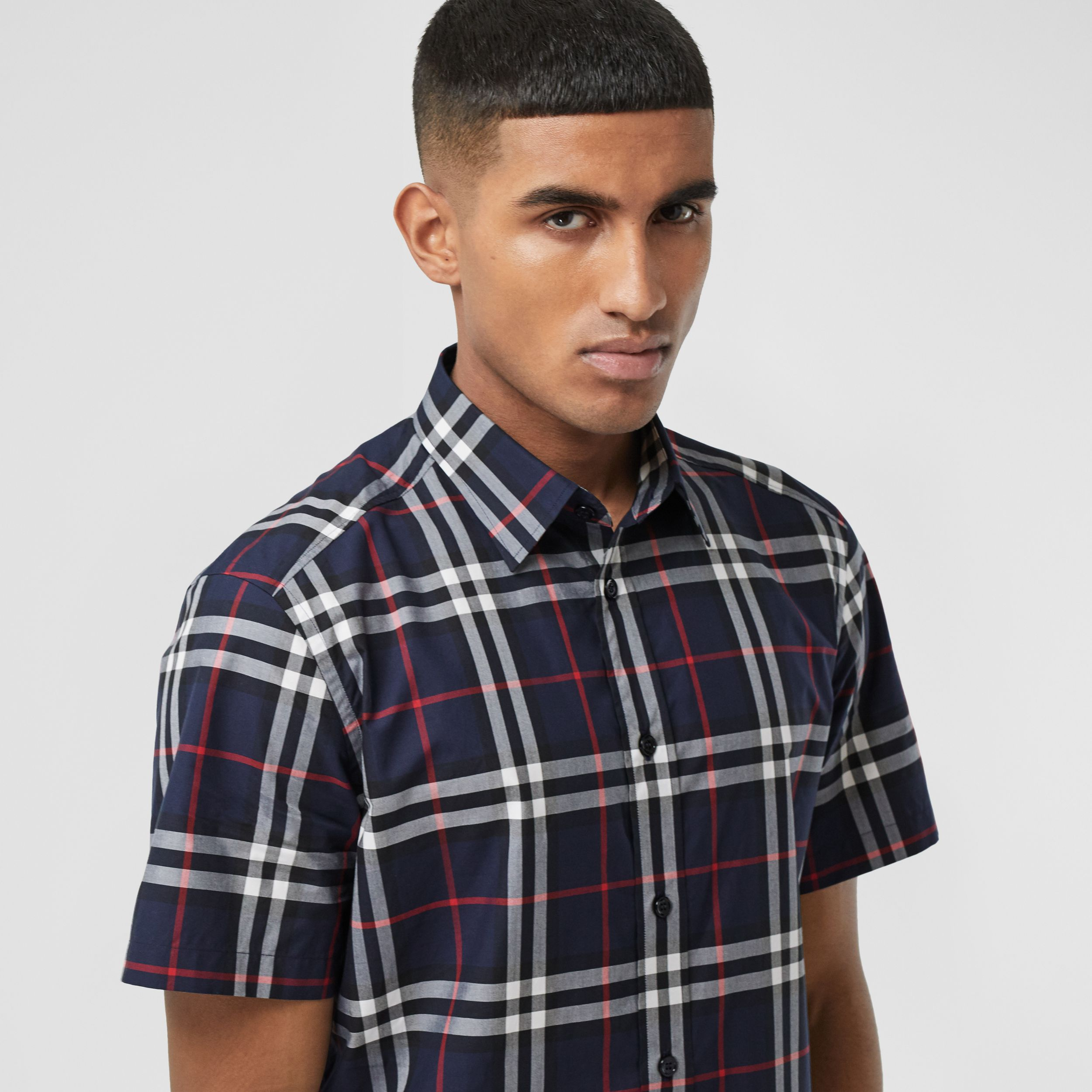 Short-sleeve Check Cotton Poplin Shirt in Navy - Men | Burberry Canada - 2