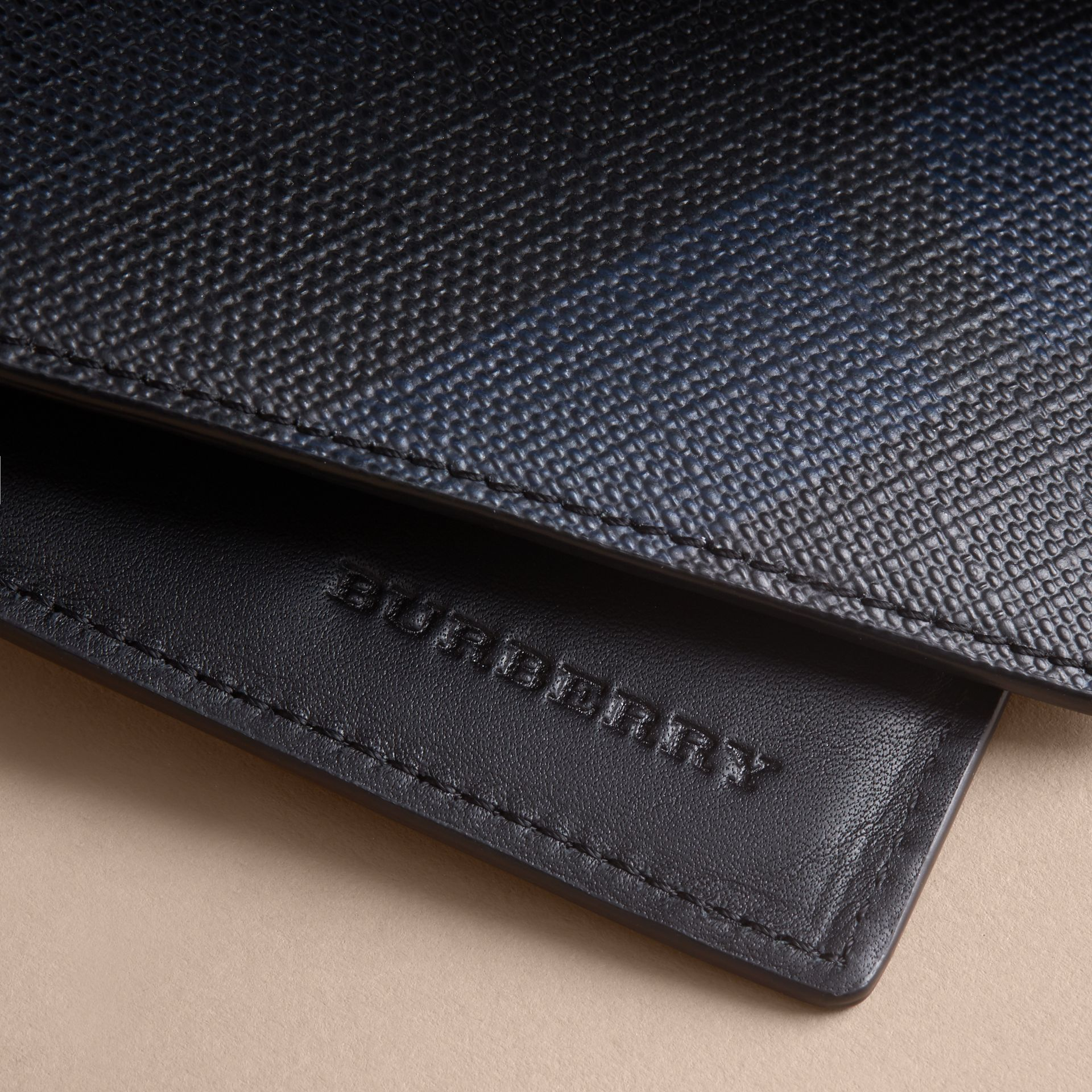 London Check Folding Wallet Navy/black - gallery image 2