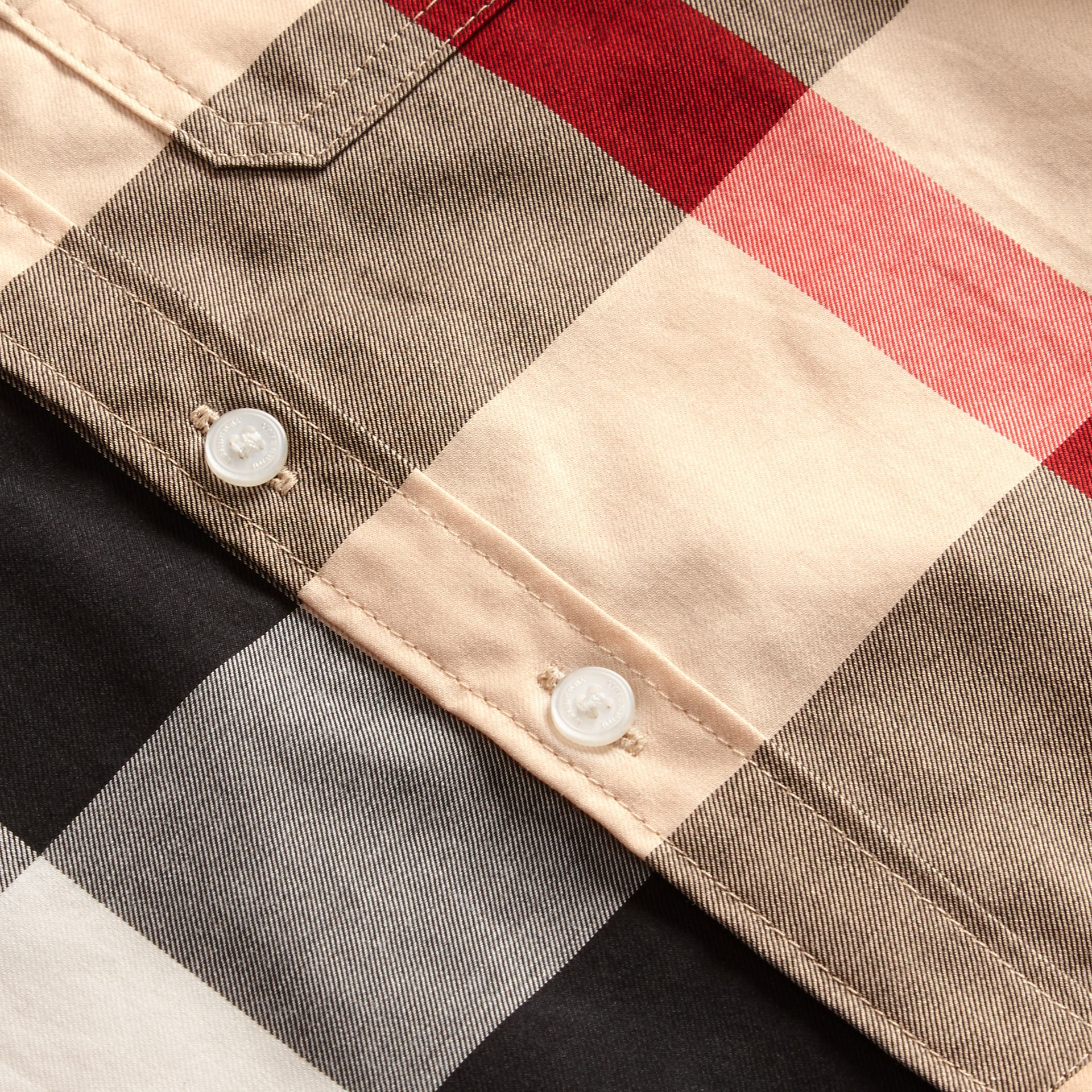 Short-sleeve Check Cotton Shirt in New Classic - Children | Burberry United Kingdom - gallery image 2
