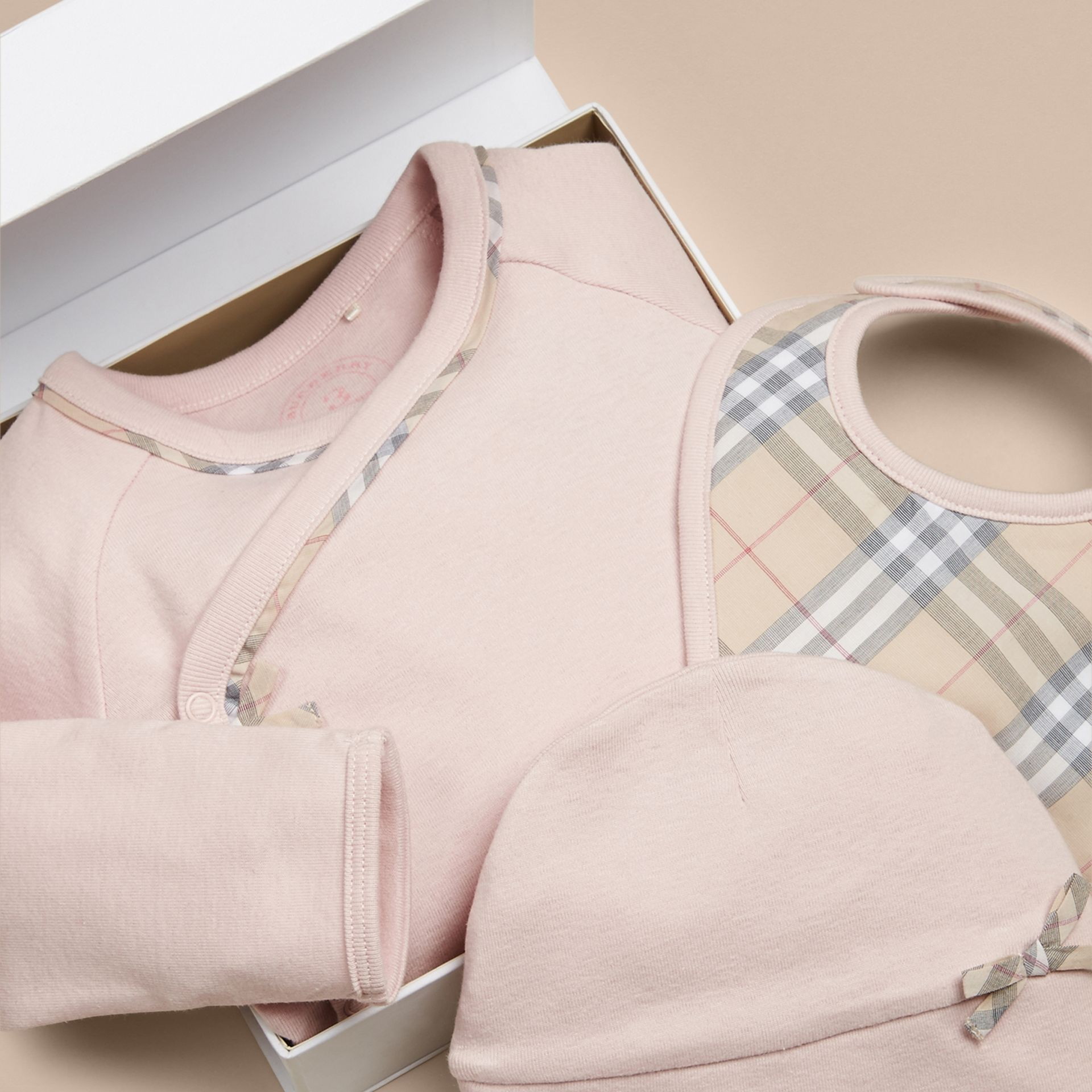 Check Cotton Three-piece Baby Gift Set in Powder Pink - Girl | Burberry Canada - gallery image 2