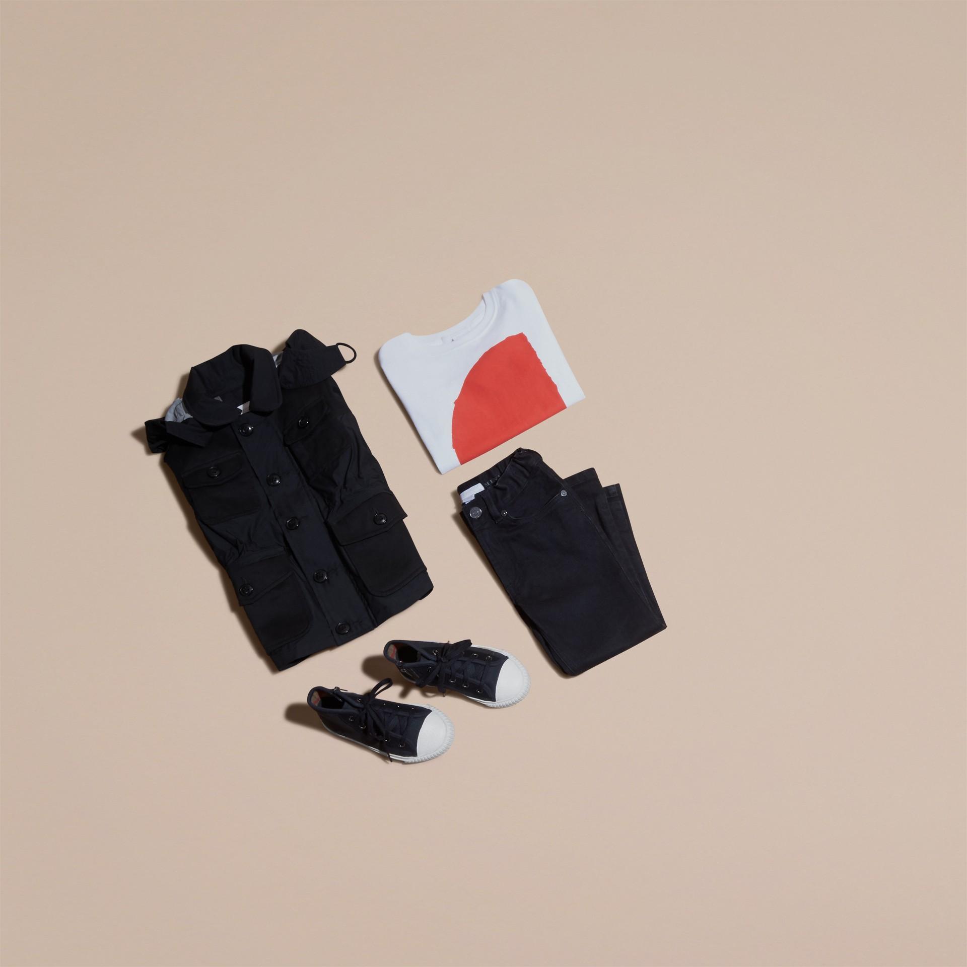 Schwarz Jacke aus technischer Faser mit abnehmbarer Kapuze - Galerie-Bild 5