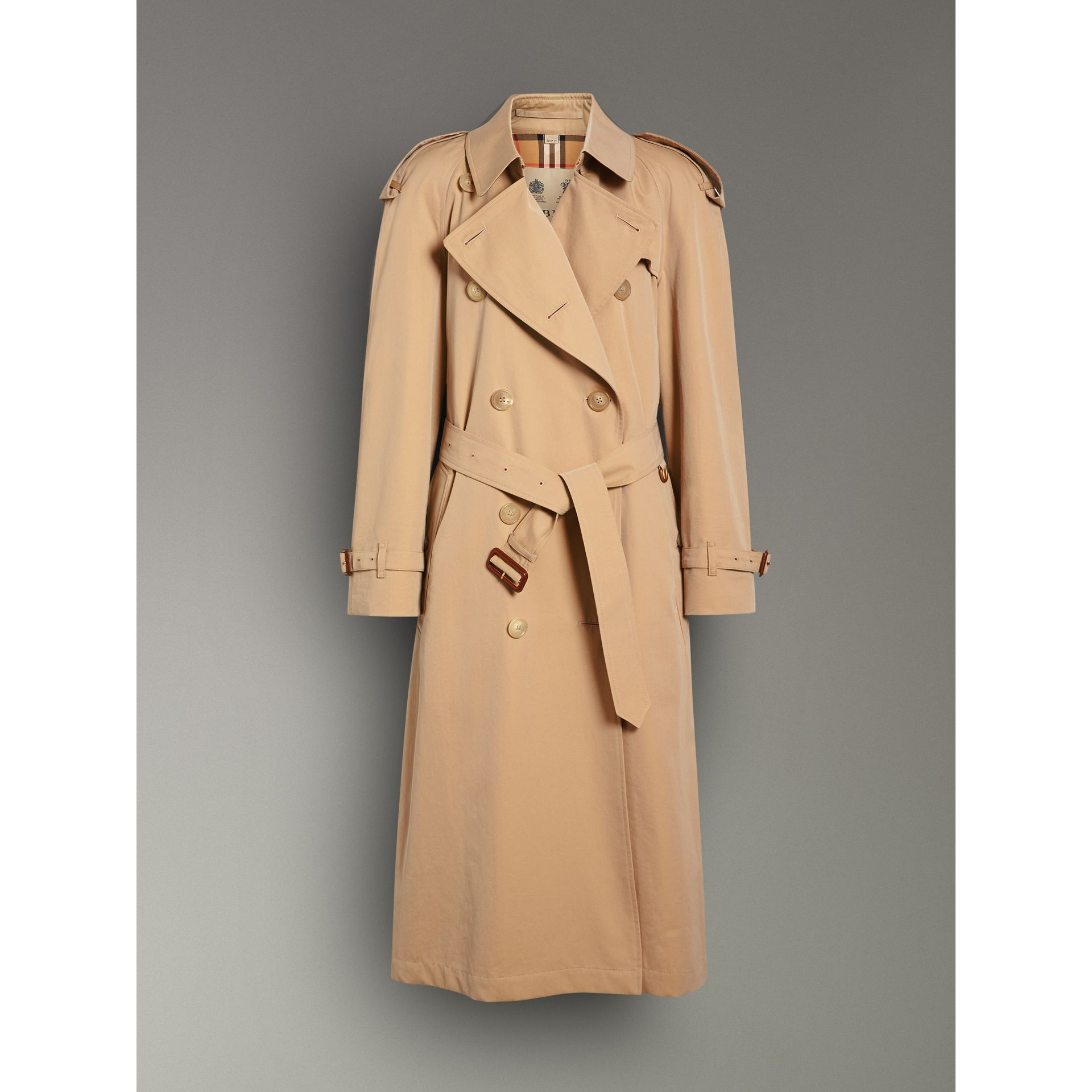 The Long Westminster Heritage Trench Coat in Honey - Women | Burberry Canada - gallery image 3