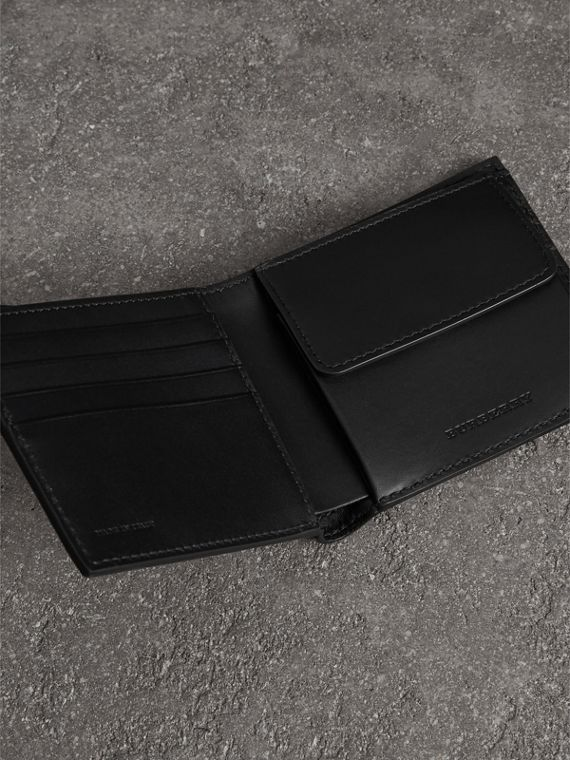 Grainy Leather International Bifold Coin Wallet in Black - Men | Burberry Hong Kong - cell image 3