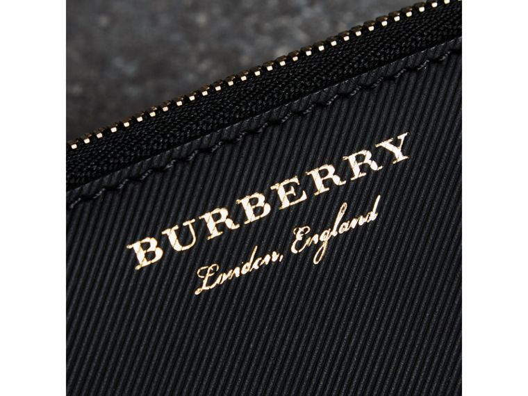 Trench 皮革環繞式拉鍊零錢包 (黑色) - 男款 | Burberry - cell image 1