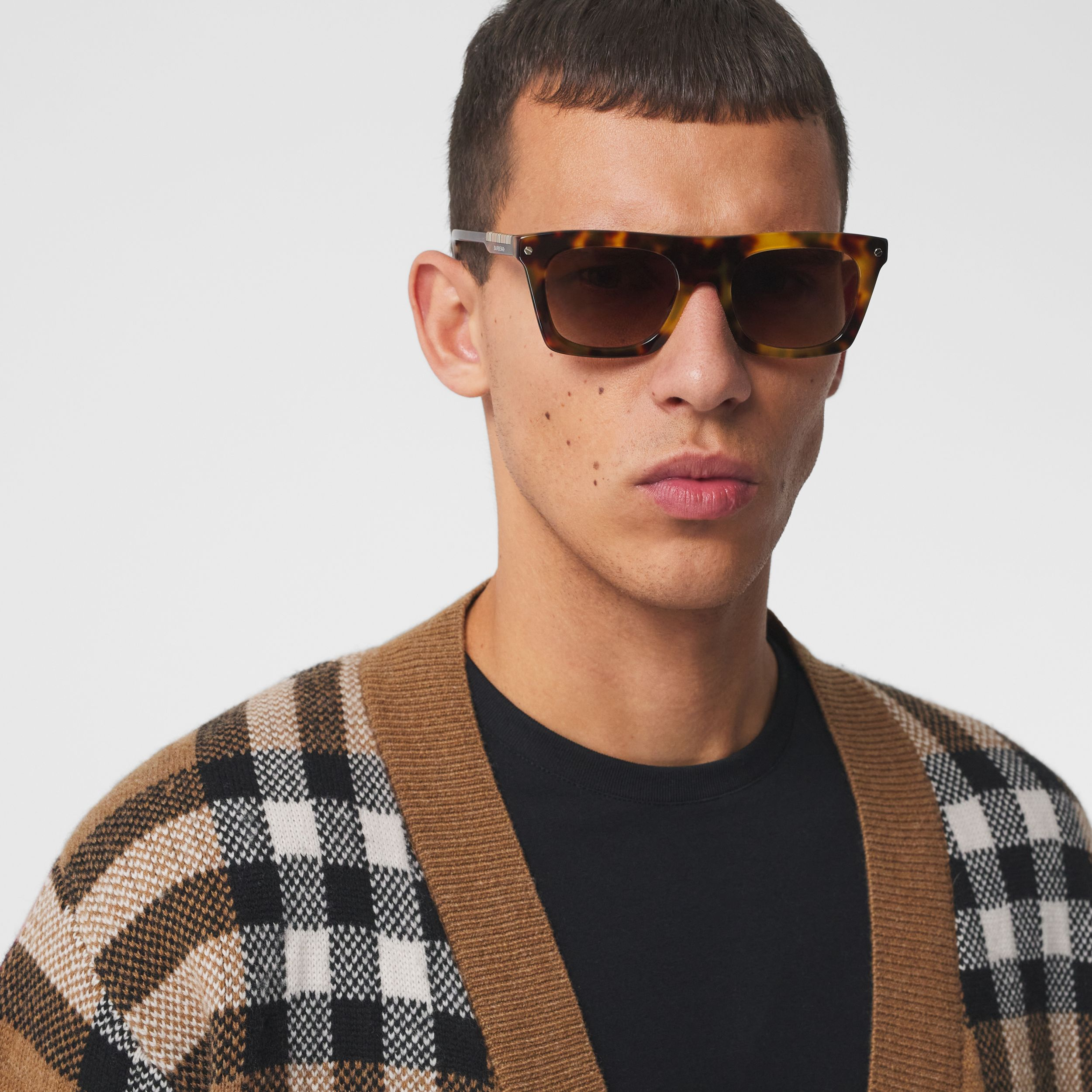 Icon Stripe Detail Rectangular Frame Sunglasses in Dark Tortoise Amber - Men | Burberry - 3