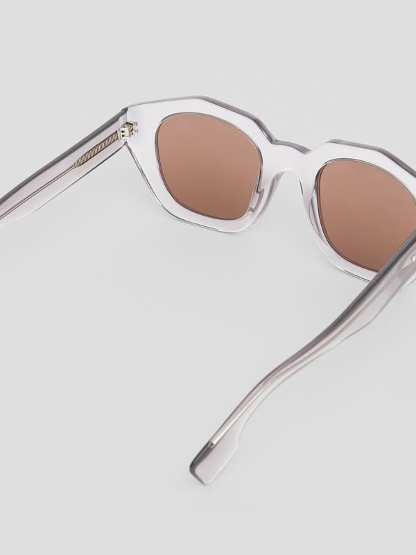 Geometric Frame Sunglasses in Grey - Women | Burberry Hong Kong - cell image 3