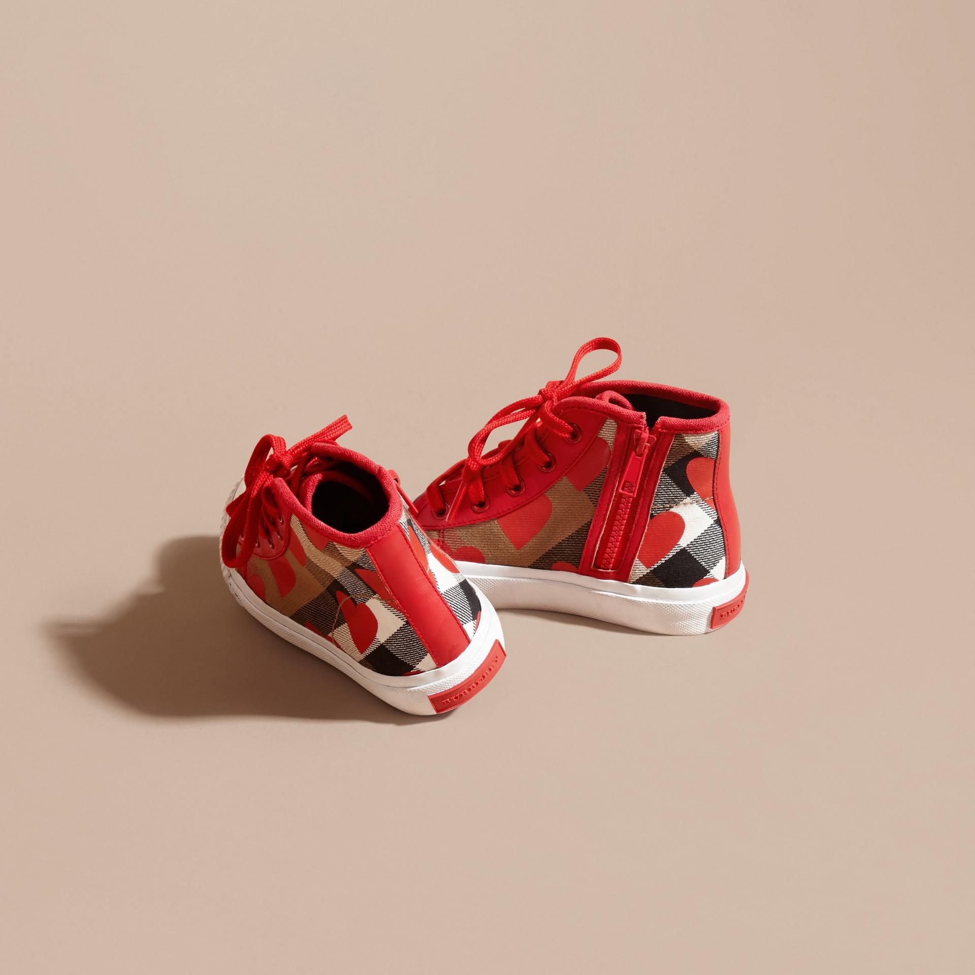Rosso militare Sneaker alte con motivo check, stampa a pois e finiture in pelle Rosso Militare - immagine della galleria 4