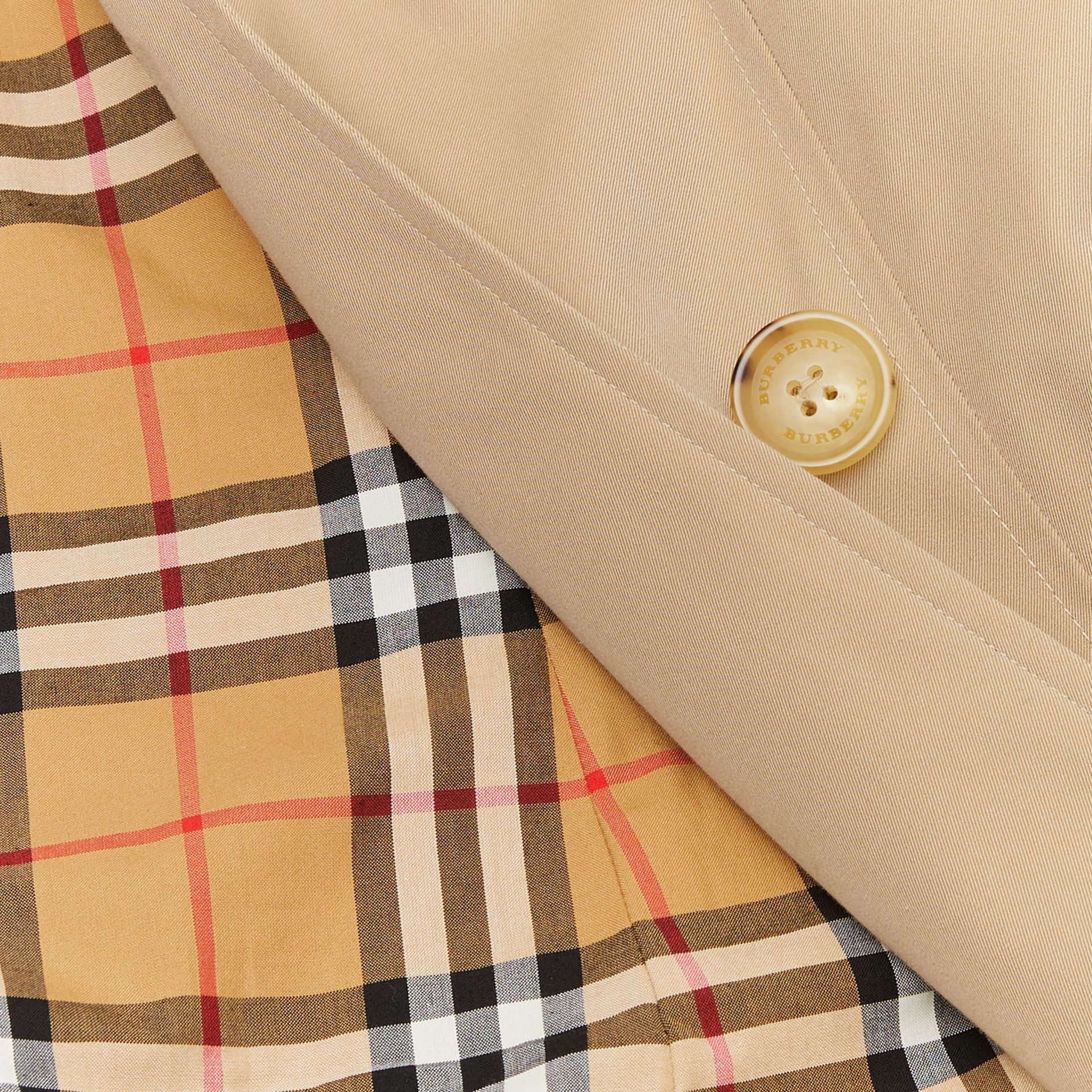 The Long Chelsea Heritage Trench Coat in Honey | Burberry - gallery image 9