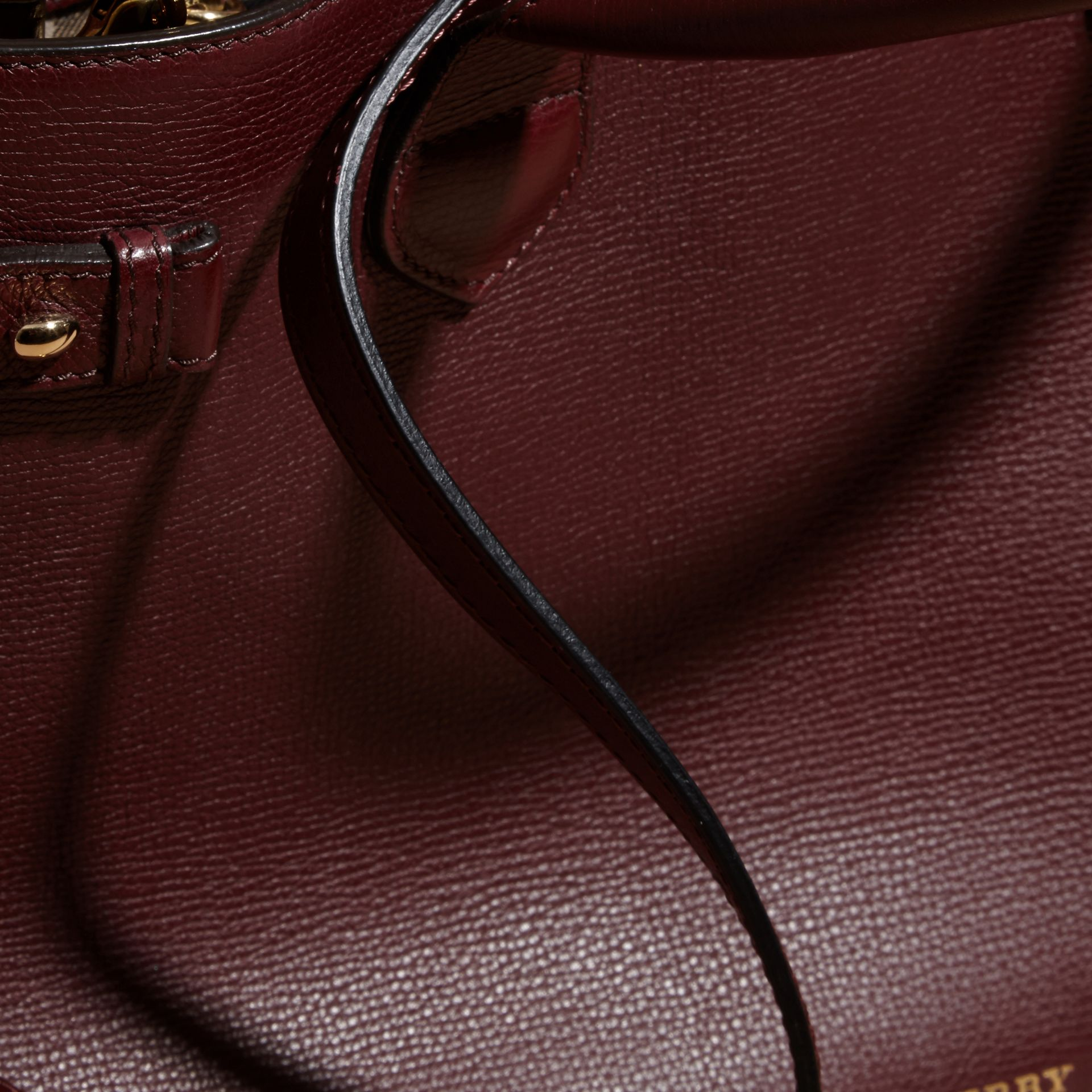 The Medium Banner in Leather and House Check in Mahogany Red - Women | Burberry - gallery image 6