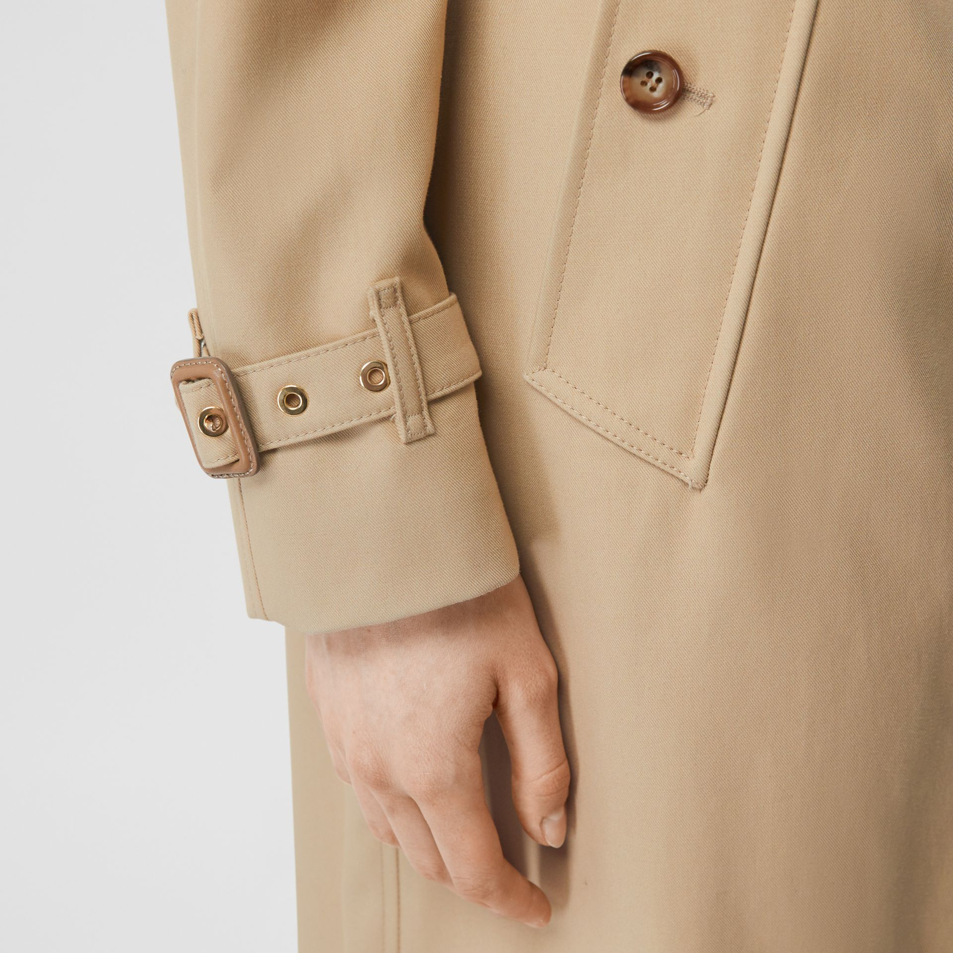Archive Print-lined Cotton Gabardine Trench Coat in Honey - Women | Burberry - gallery image 7