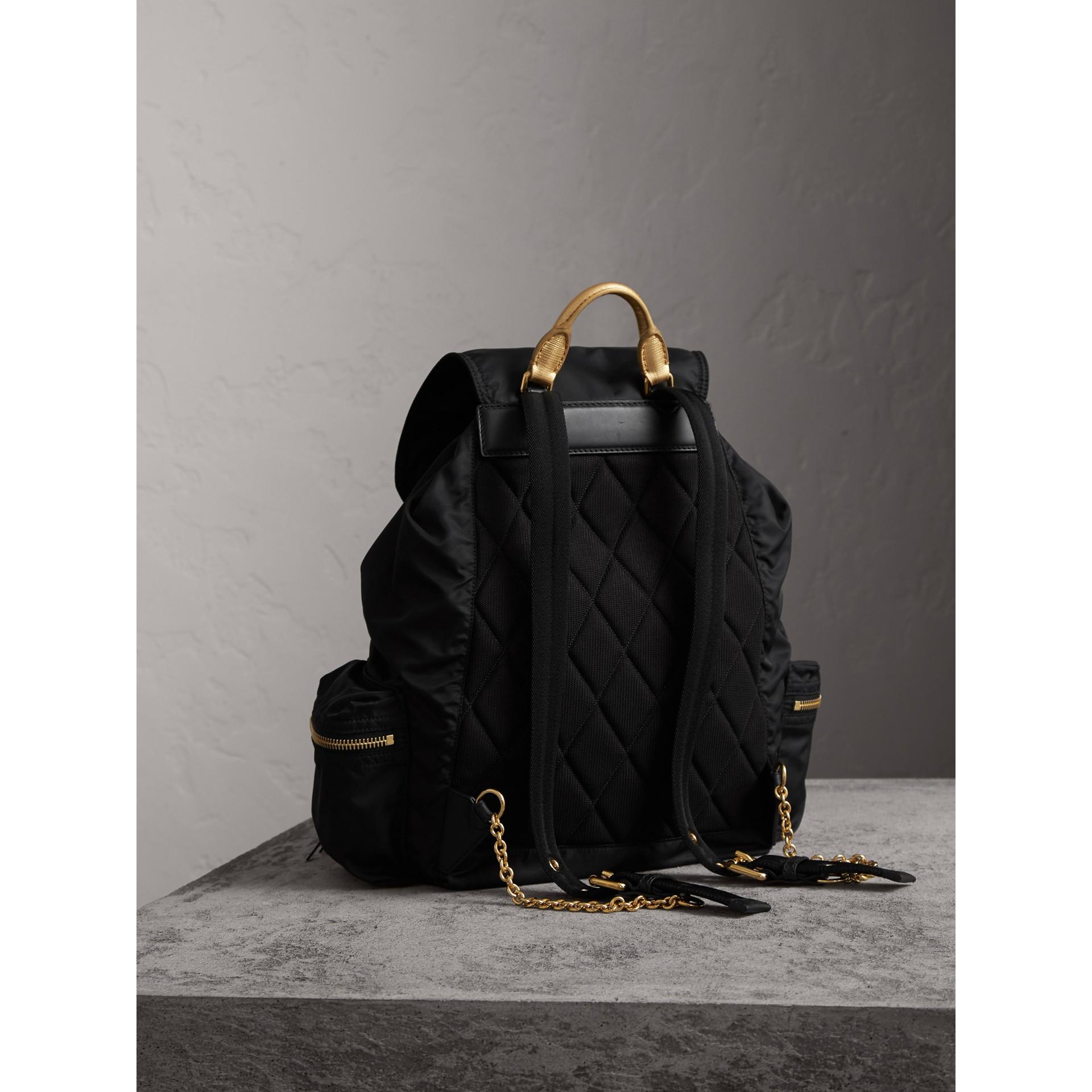The Large Rucksack aus Nylon und Leder (Schwarz/goldfarben) - Damen | Burberry - Galerie-Bild 4
