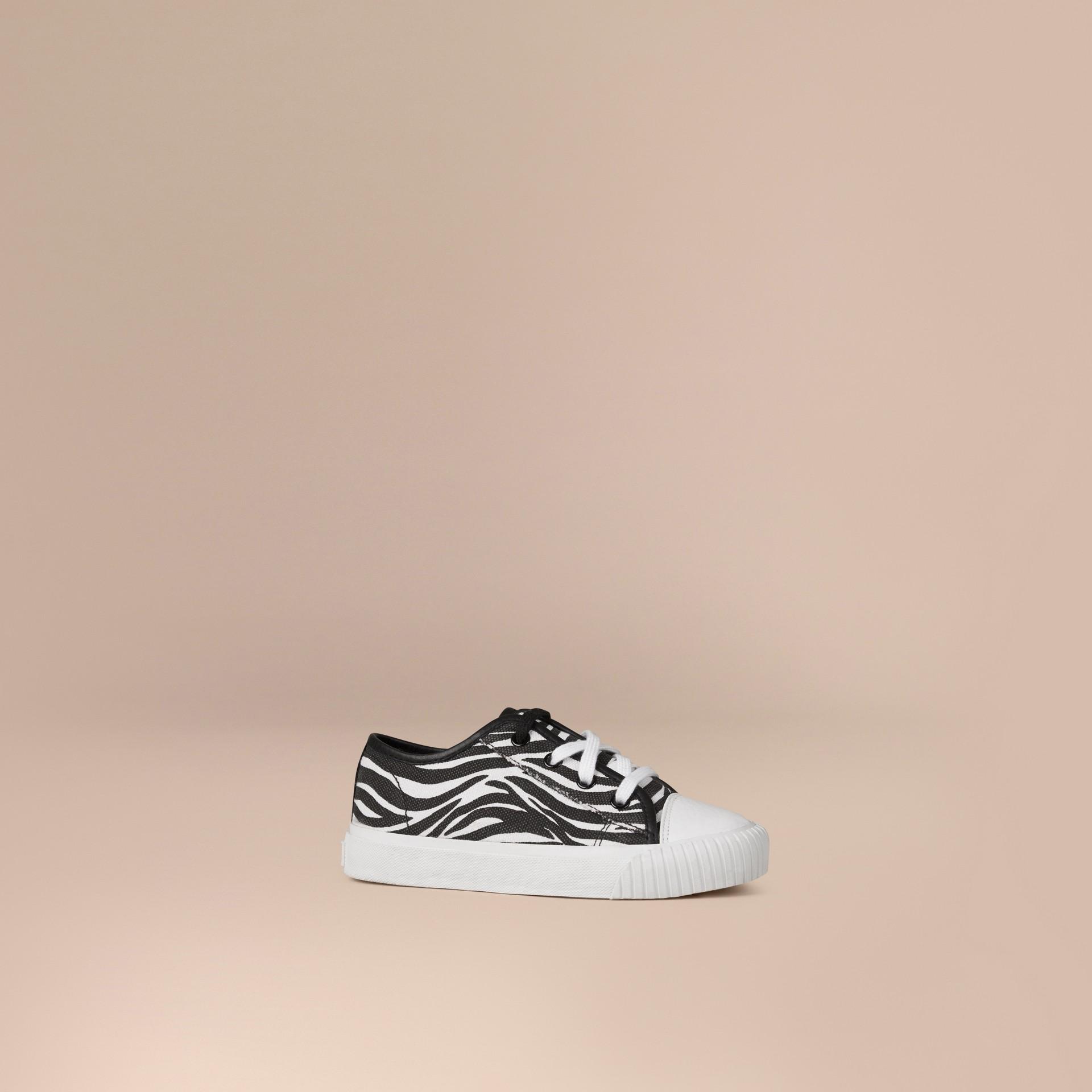 Nero/bianco Sneaker in tela con stampa zebrata - immagine della galleria 1