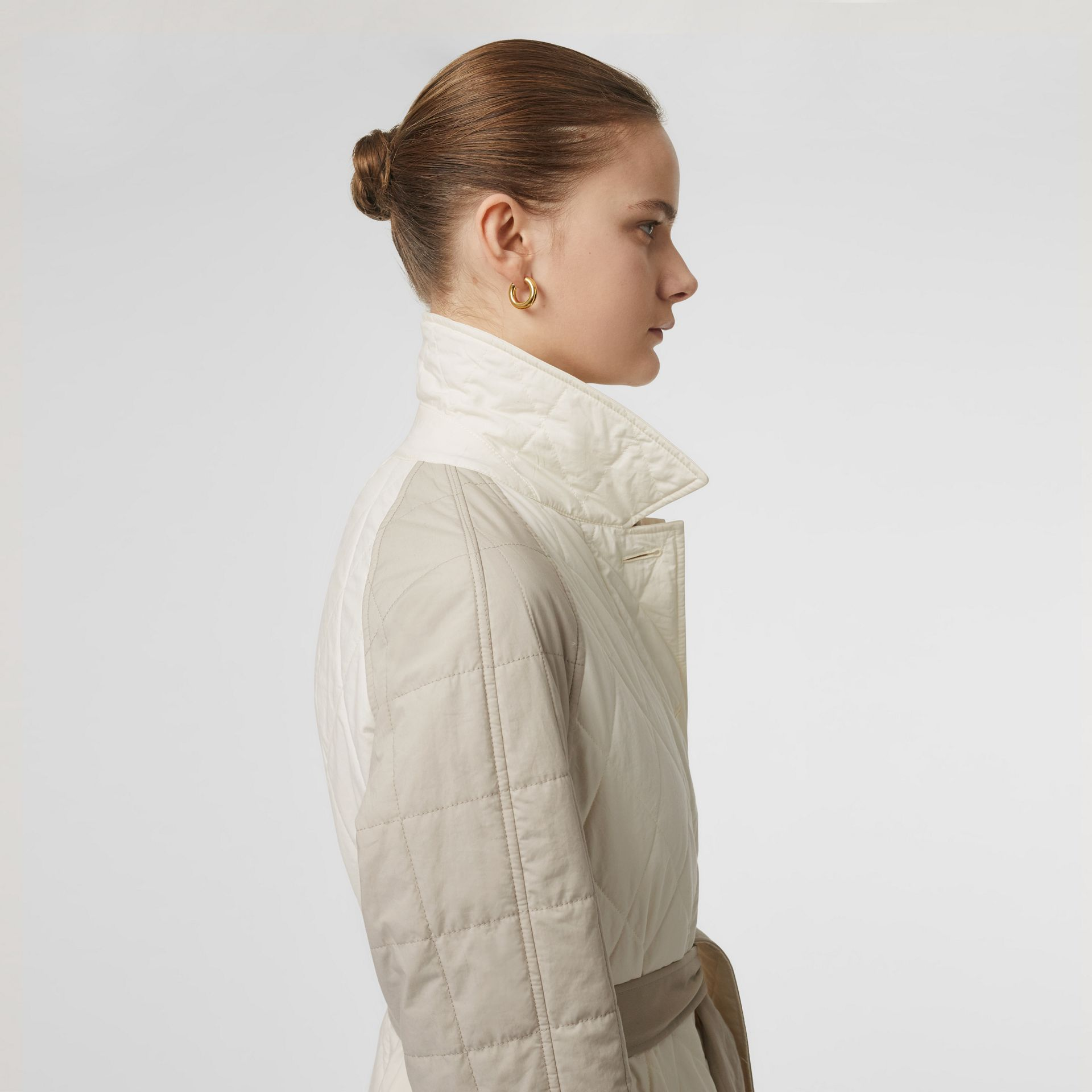 Reversible Contrast Sleeve Quilted Cotton Car Coat in Natural White - Women | Burberry - gallery image 5