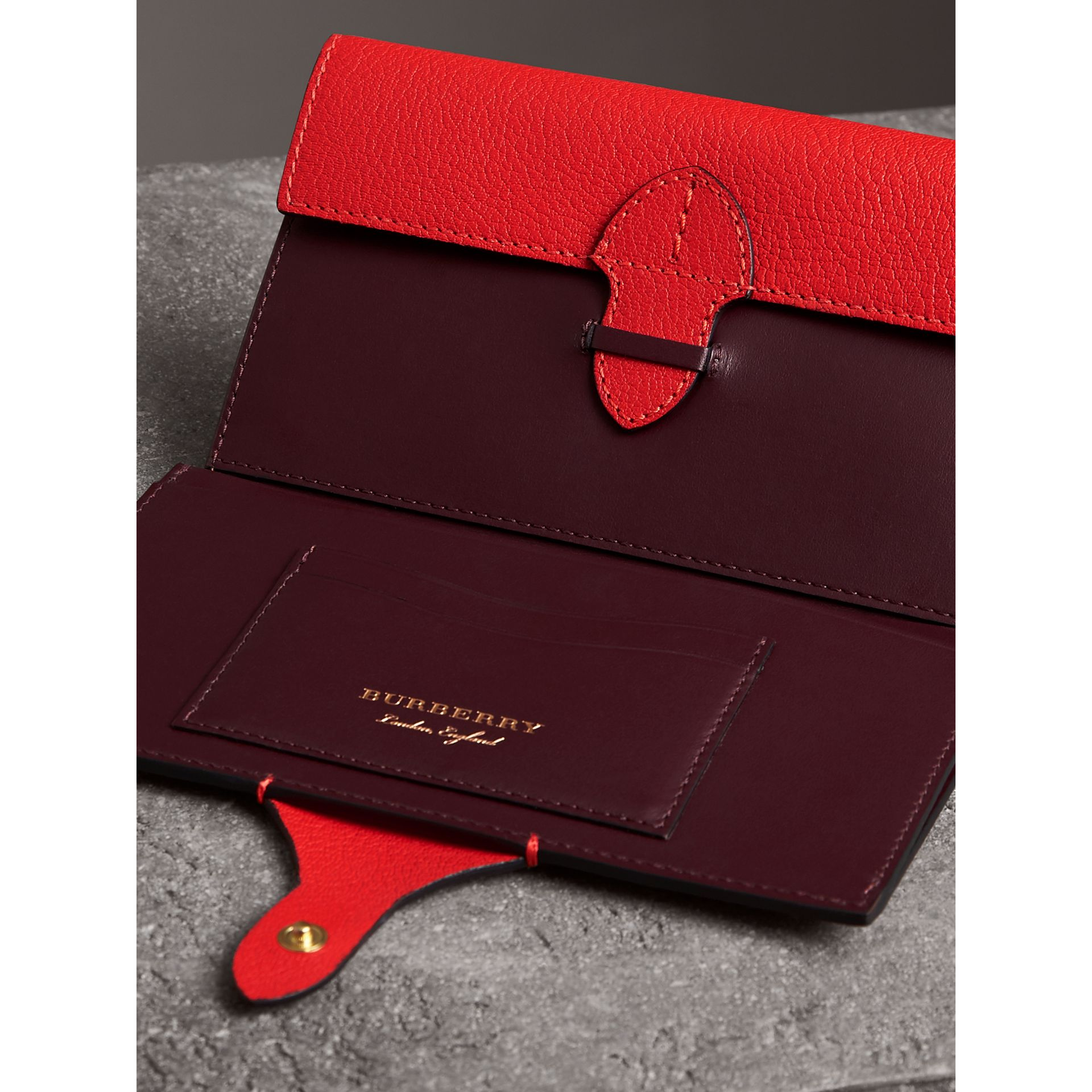 Equestrian Shield Two-tone Leather Continental Wallet in Bright Red - Women | Burberry Singapore - gallery image 3