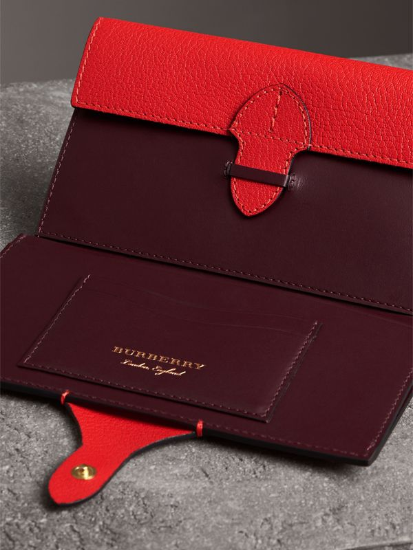Equestrian Shield Two-tone Leather Continental Wallet in Bright Red - Women | Burberry - cell image 3