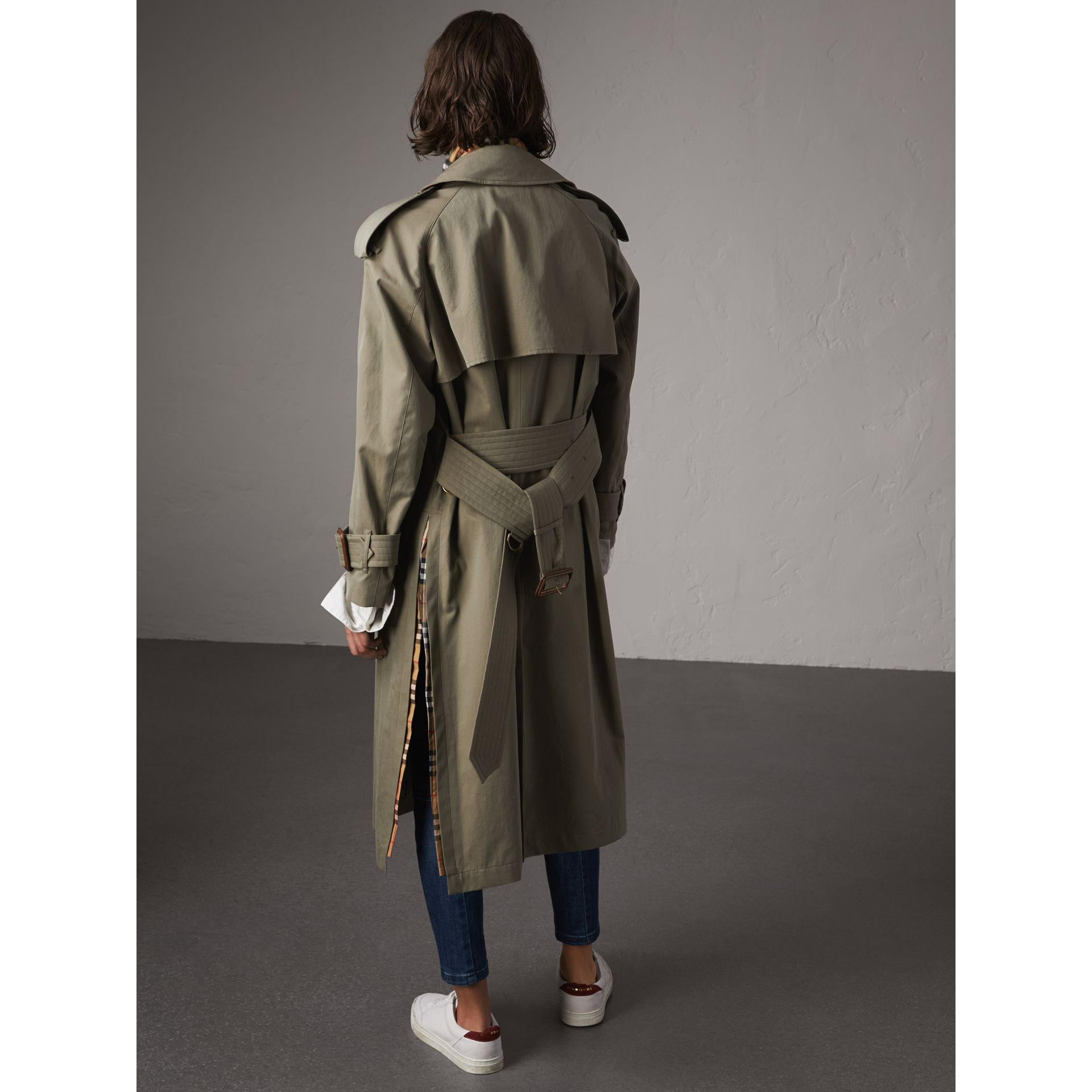 Side-slit Tropical Gabardine Trench Coat in Chalk Green - Women | Burberry Canada - gallery image 2