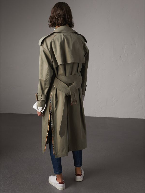 Side-slit Tropical Gabardine Trench Coat in Chalk Green - Women | Burberry Canada - cell image 2