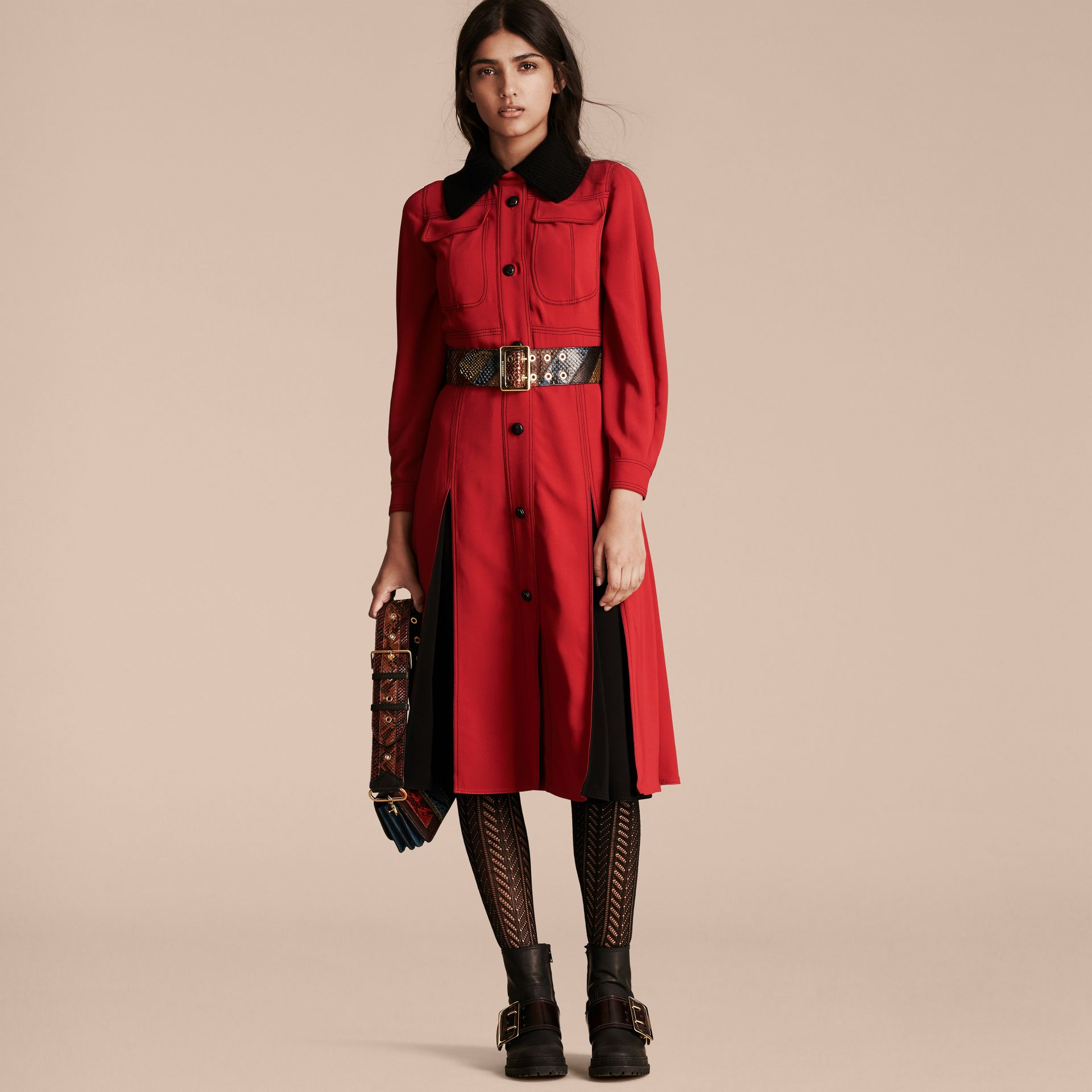 Parade red Georgette Dress with Detachable Knitted Cashmere Collar - gallery image 7