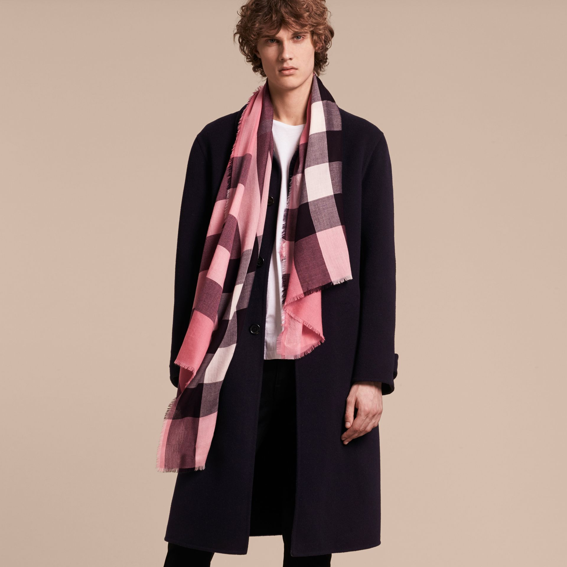 Rose pink The Lightweight Cashmere Scarf in Check Rose Pink - gallery image 4