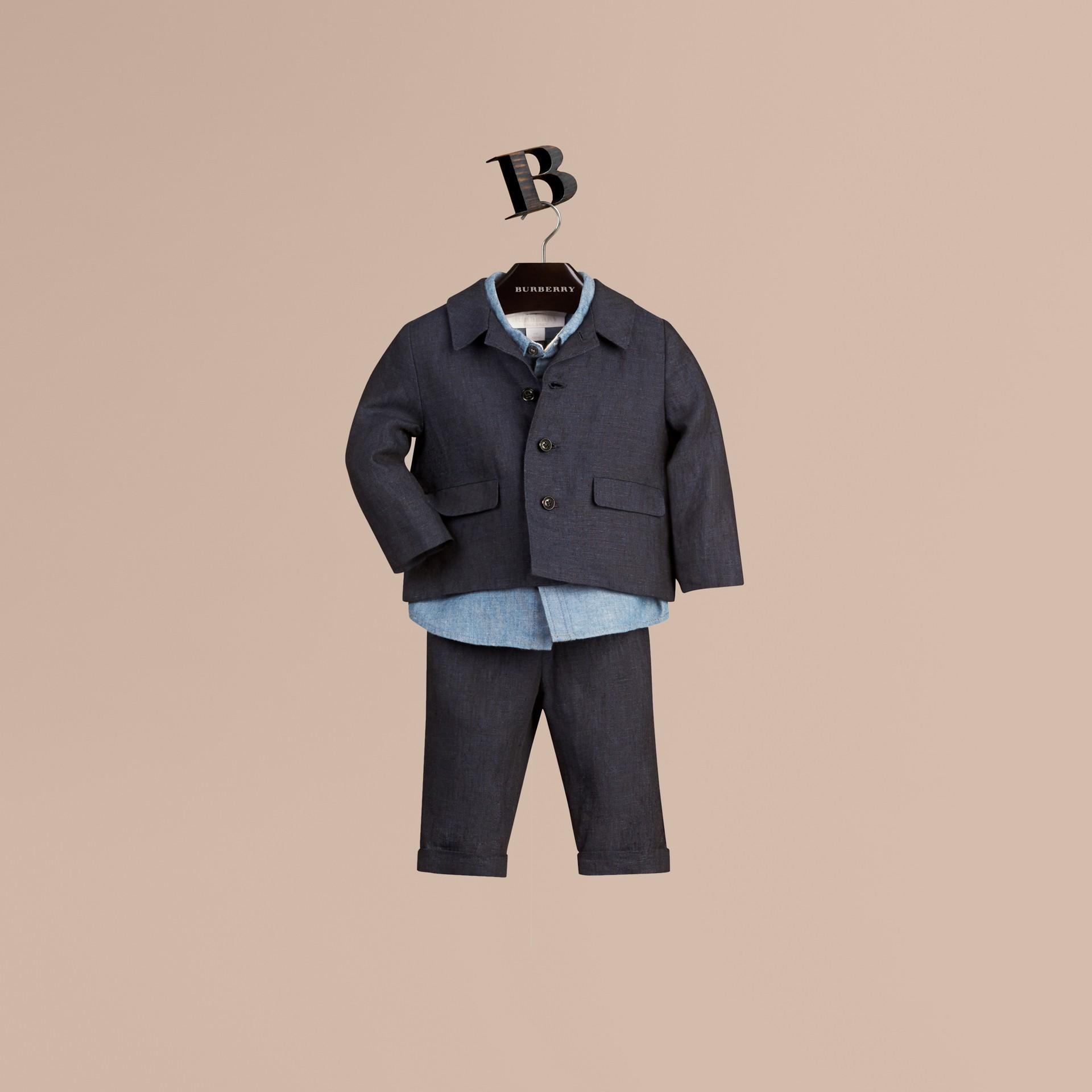 海軍藍 輕盈亞麻休閒西裝外套 - 圖庫照片 1