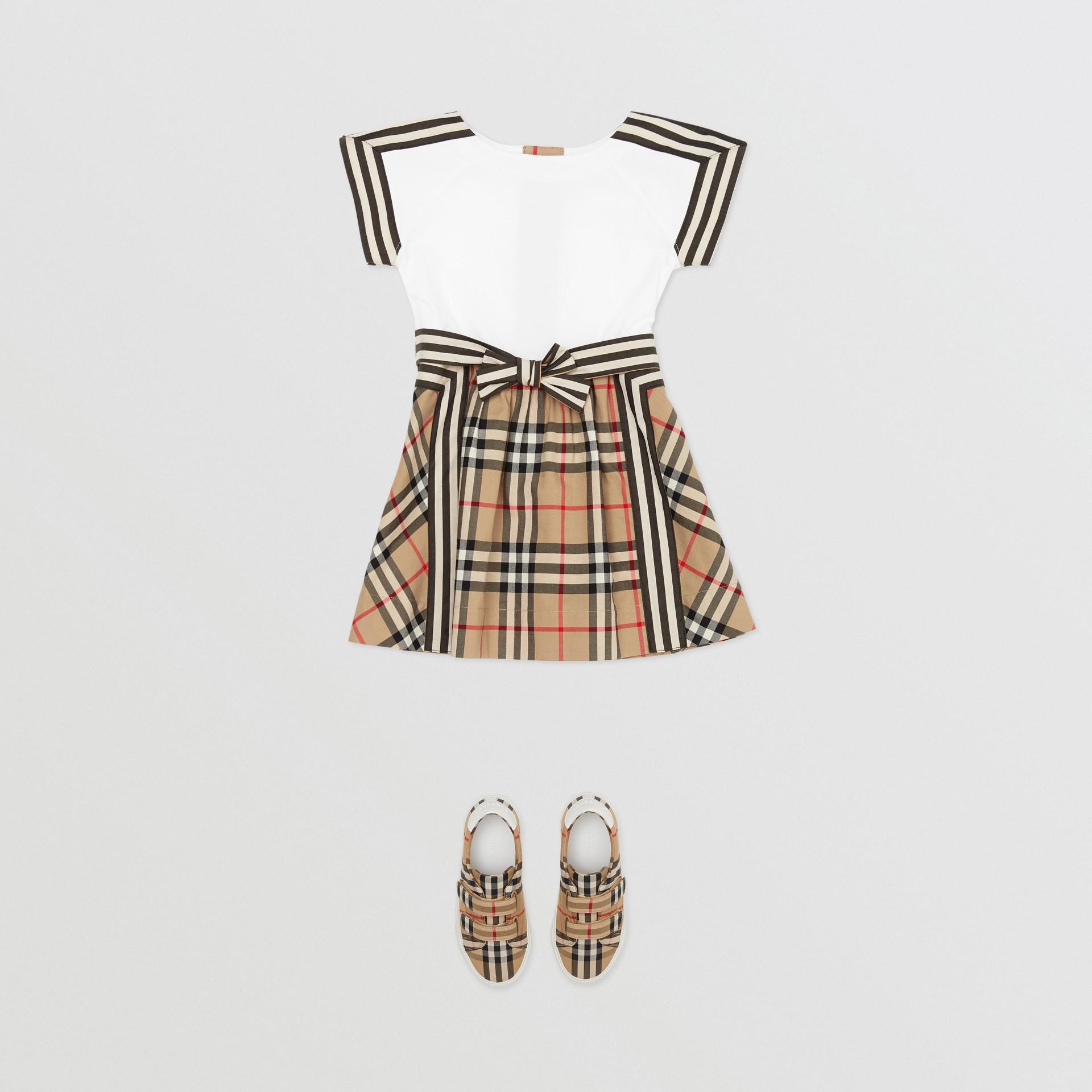 Vintage Check Detail Cotton Dress in Archive Beige - Children | Burberry United Kingdom - gallery image 2