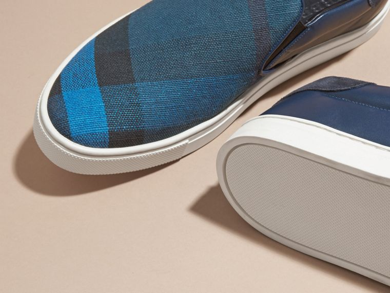 Ultramarine blue/blk Canvas Check and Leather Slip-on Trainers Ultramarine Blue/blk - cell image 4