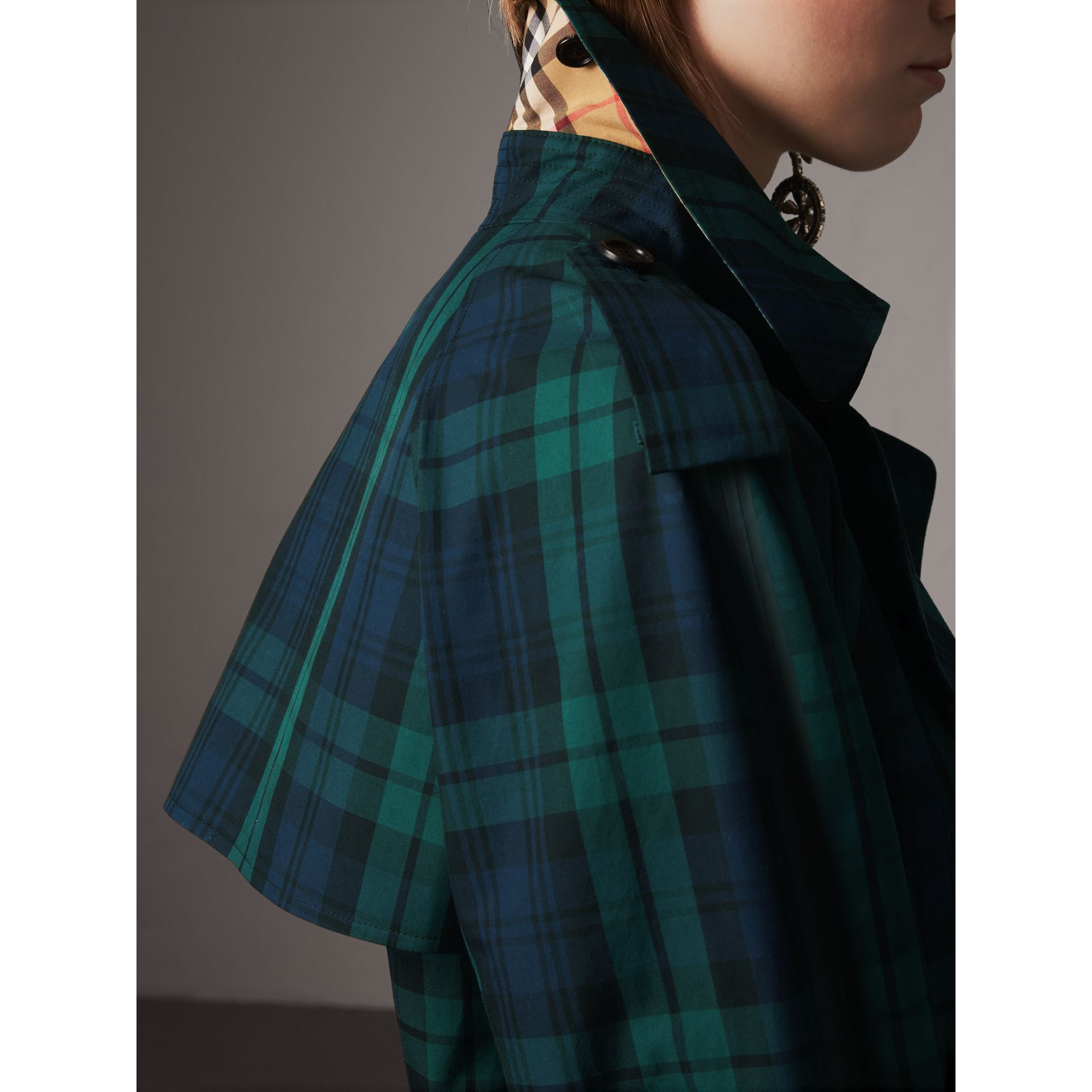 Tartan Cotton Gabardine Trench Coat in Bright Navy - Women | Burberry - gallery image 2