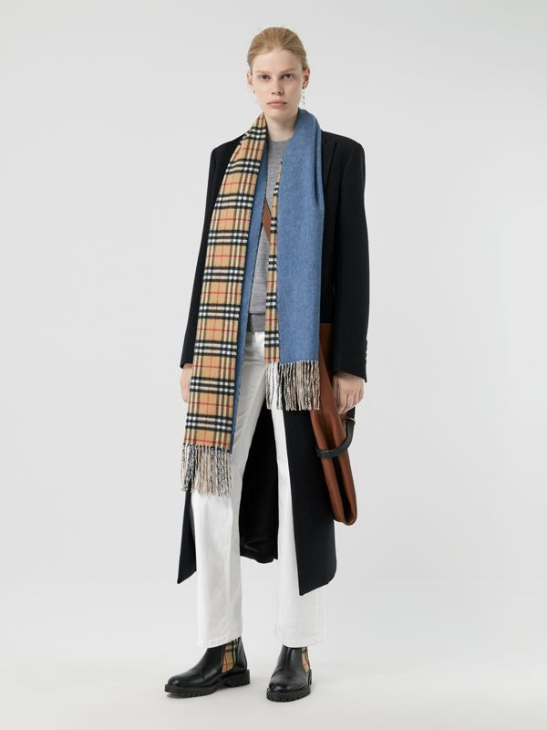 Long Reversible Vintage Check Double-faced Cashmere Scarf in Stone Blue | Burberry Singapore - cell image 2