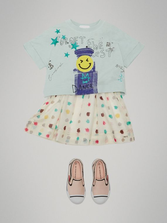 Smiley Face Print Cropped T-shirt in Pale Mint