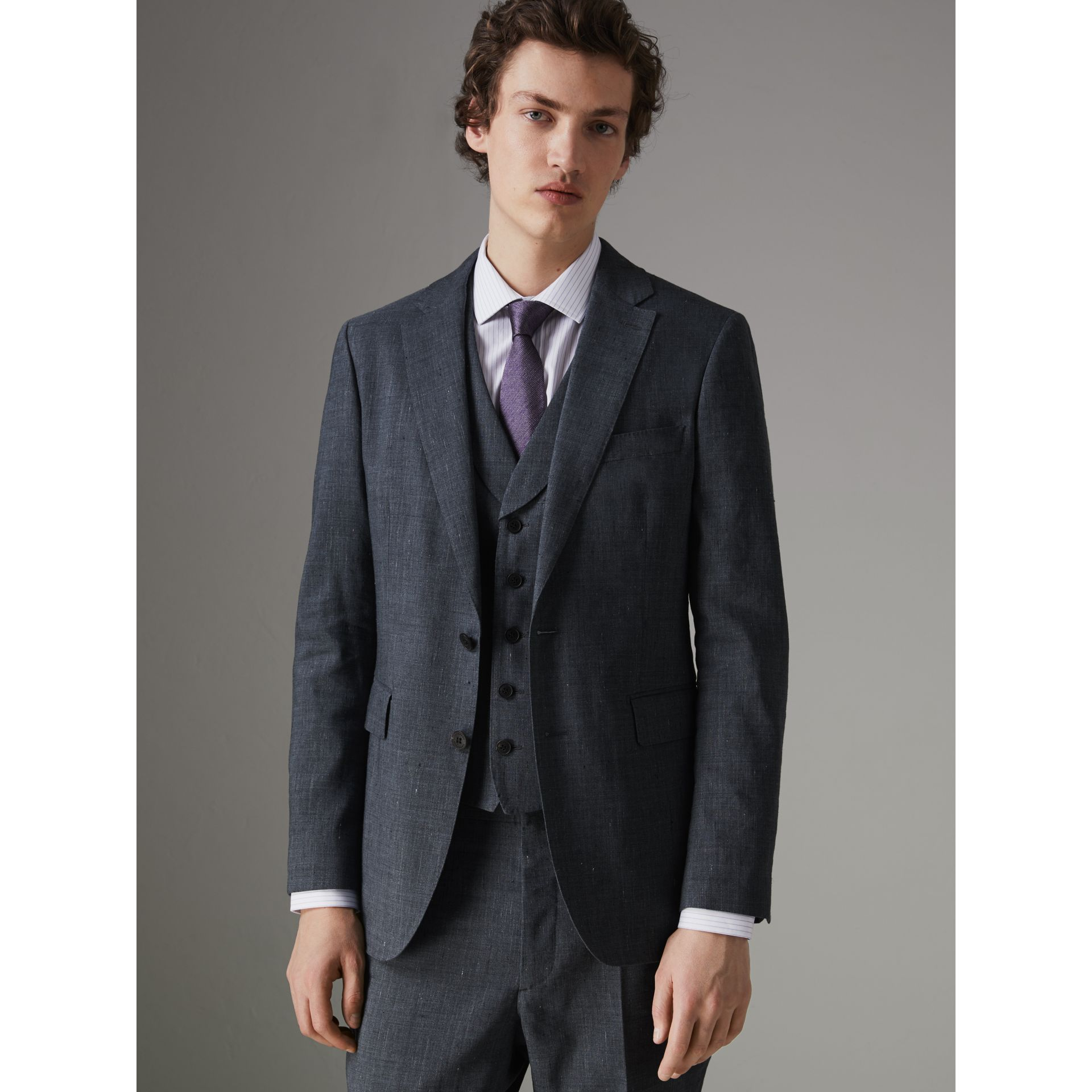 Soho Fit Three-piece Linen Wool Suit in Pale Slate Blue - Men | Burberry - gallery image 7