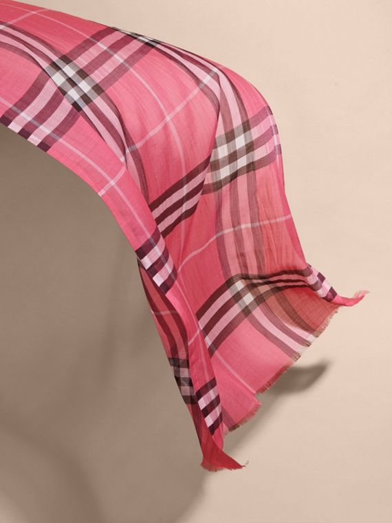 Lightweight Check Wool and Silk Scarf in Rose Pink - cell image 3