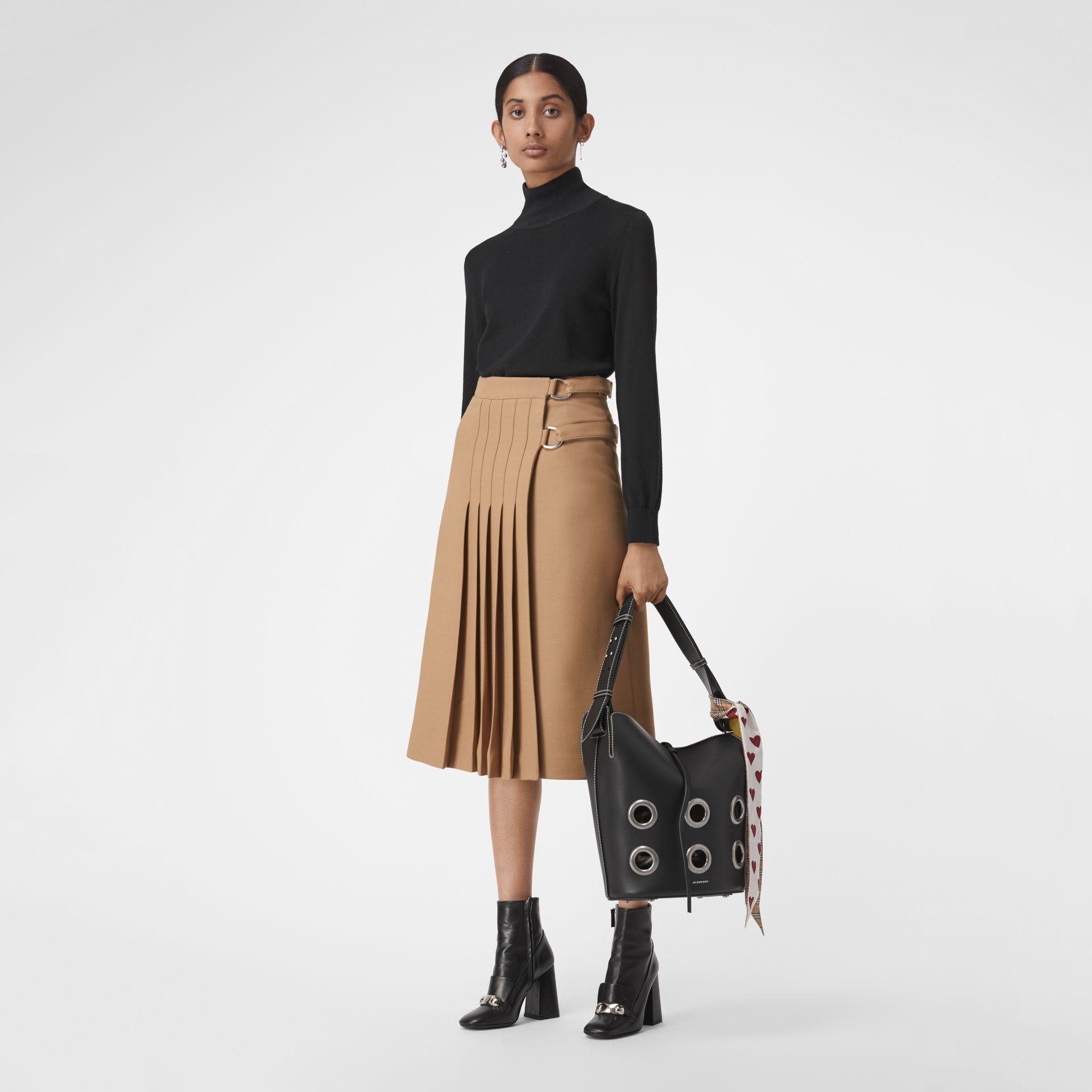 The Medium Bucket Bag aus Leder mit Ösendetails (Schwarz) - Damen | Burberry - Galerie-Bild 2