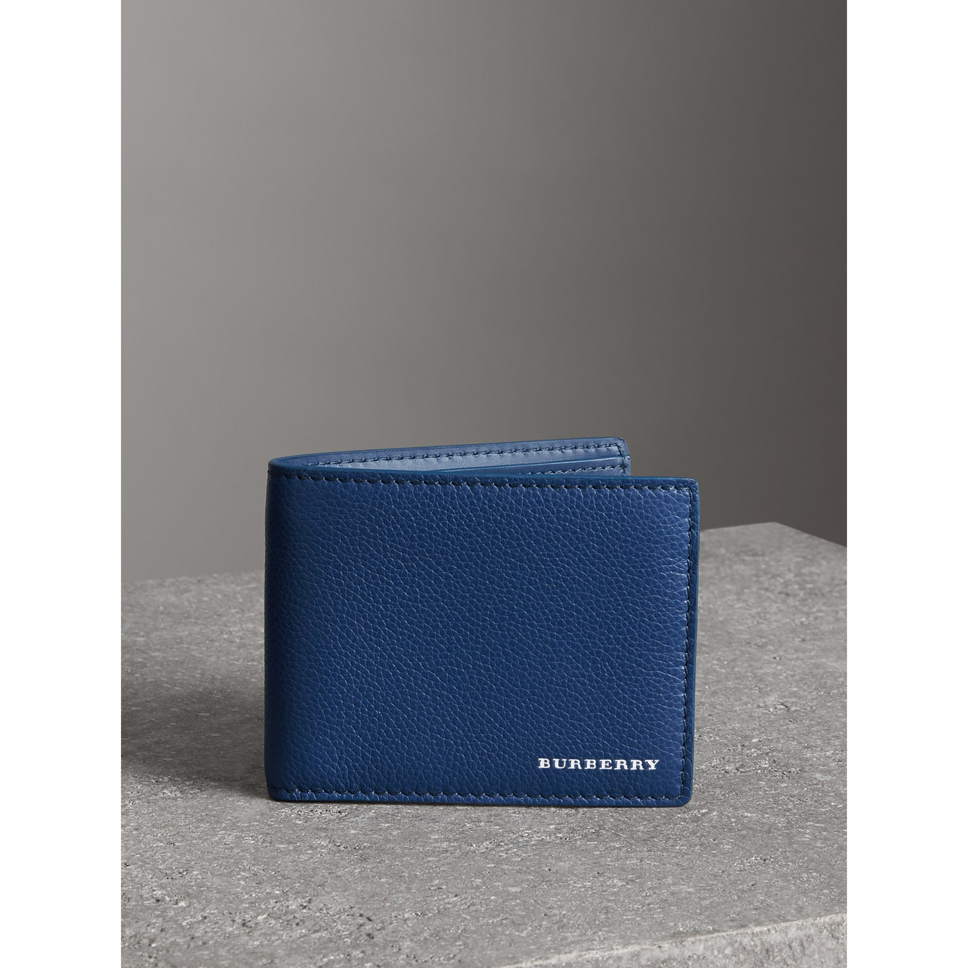 Grainy Leather Bifold Wallet in Bright Ultramarine - Men | Burberry United States - gallery image 4