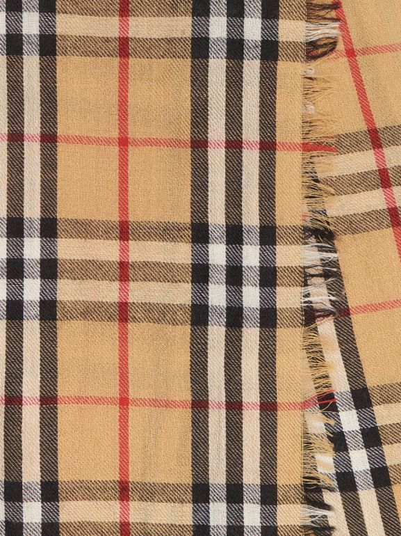 Шарф из кашемира в клетку Vintage Check (Античный Желтый) | Burberry - cell image 1