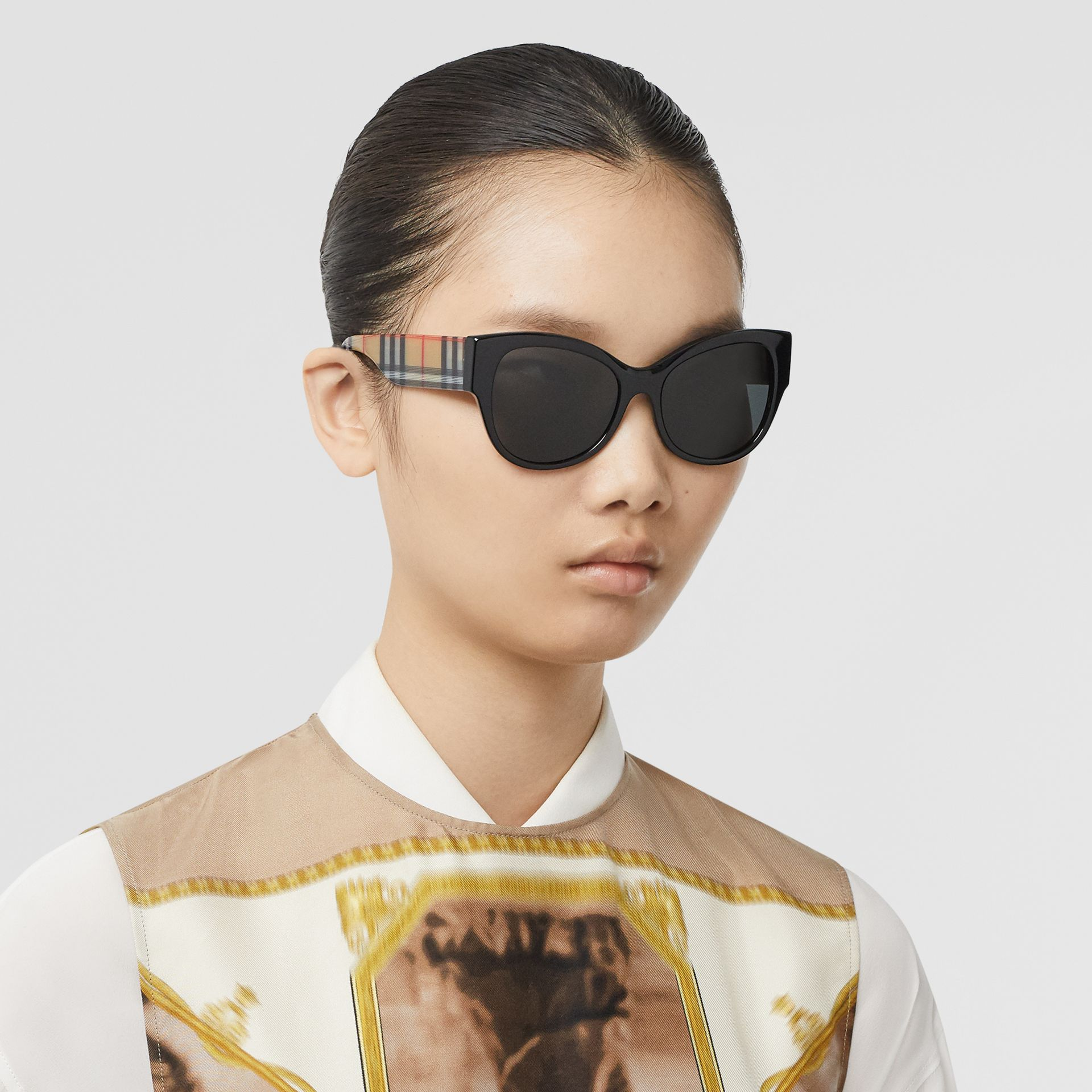 Vintage Check Detail Butterfly Frame Sunglasses in Black / Beige - Women | Burberry Canada - gallery image 2