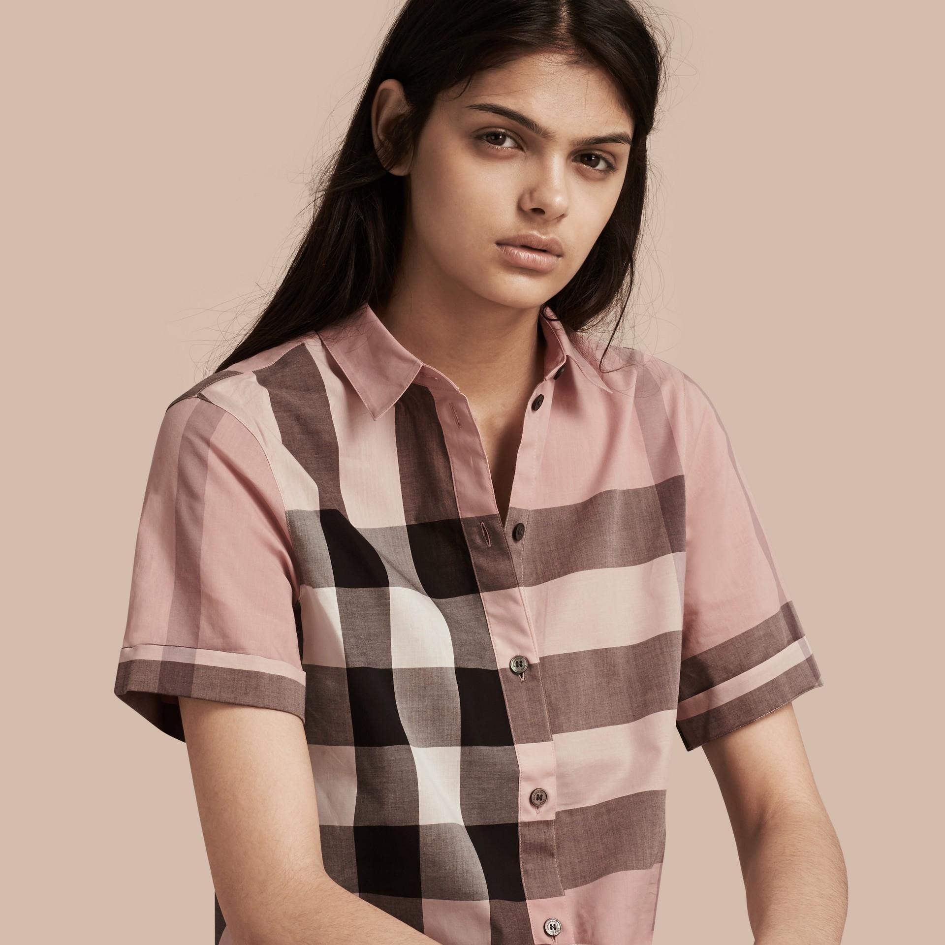 Rosa antico Camicia a maniche corte in cotone con motivo check Rosa Antico - immagine della galleria 1
